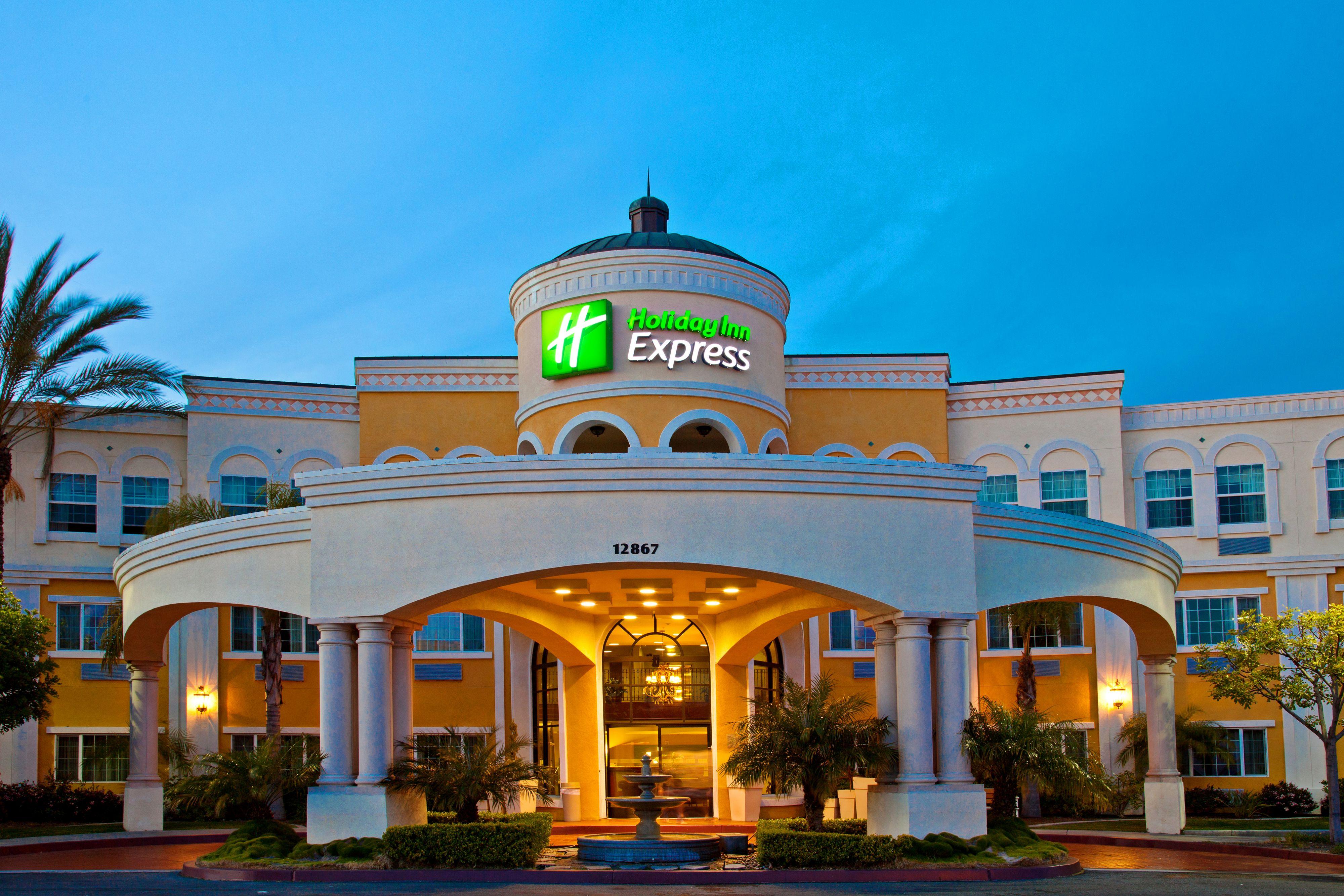 Holiday Inn Express Amp Suites Galveston West Seawall