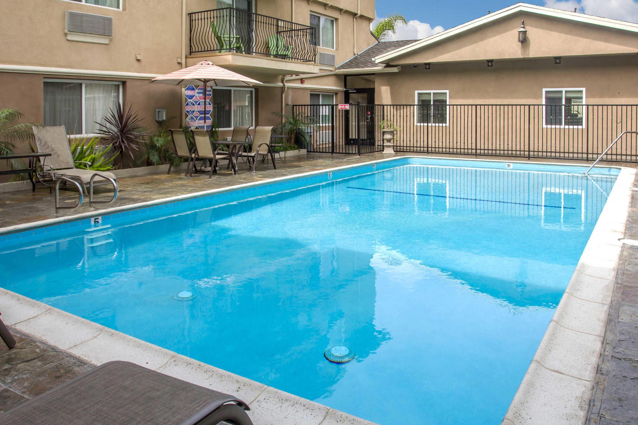 Los Angeles (LAX) Airport Hotel - Holiday Inn Express Los