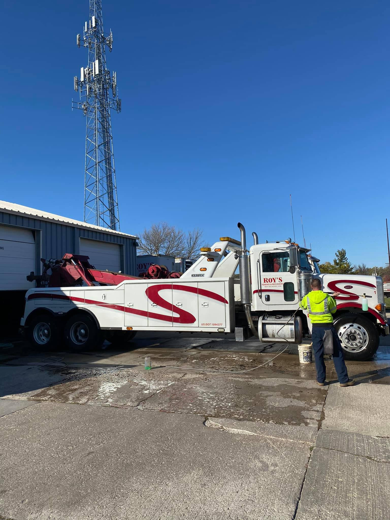 Roy's Towing and Recovery