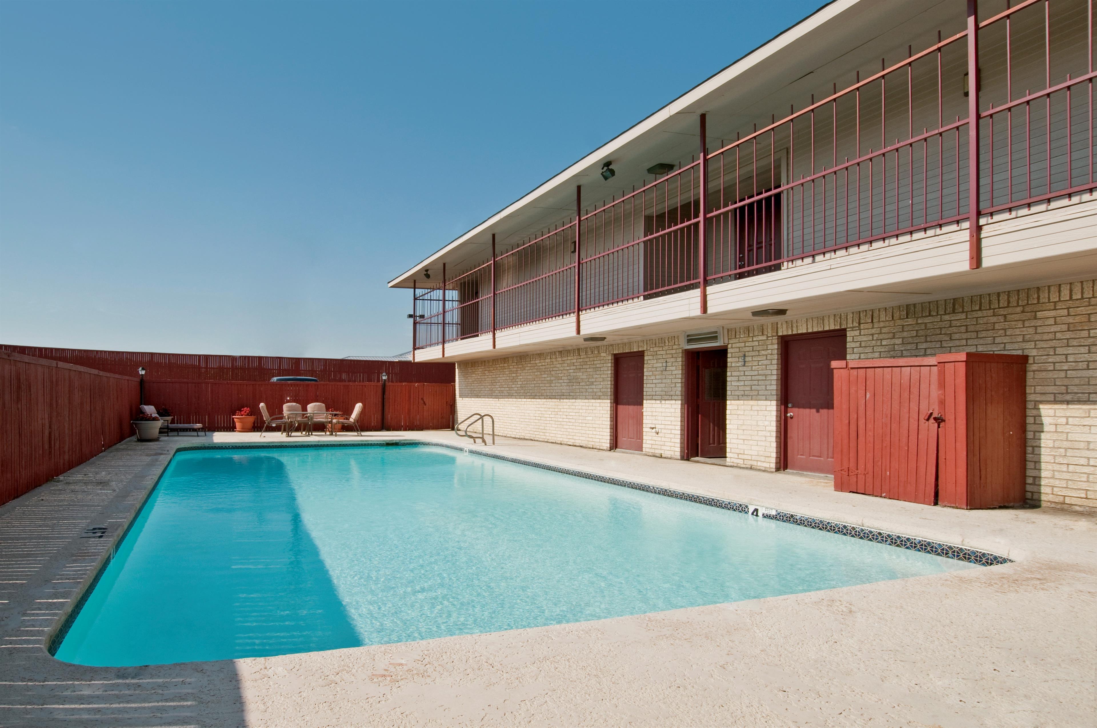 Americas Best Value Inn Midlothian Cedar Hill Midlothian Texas Tx