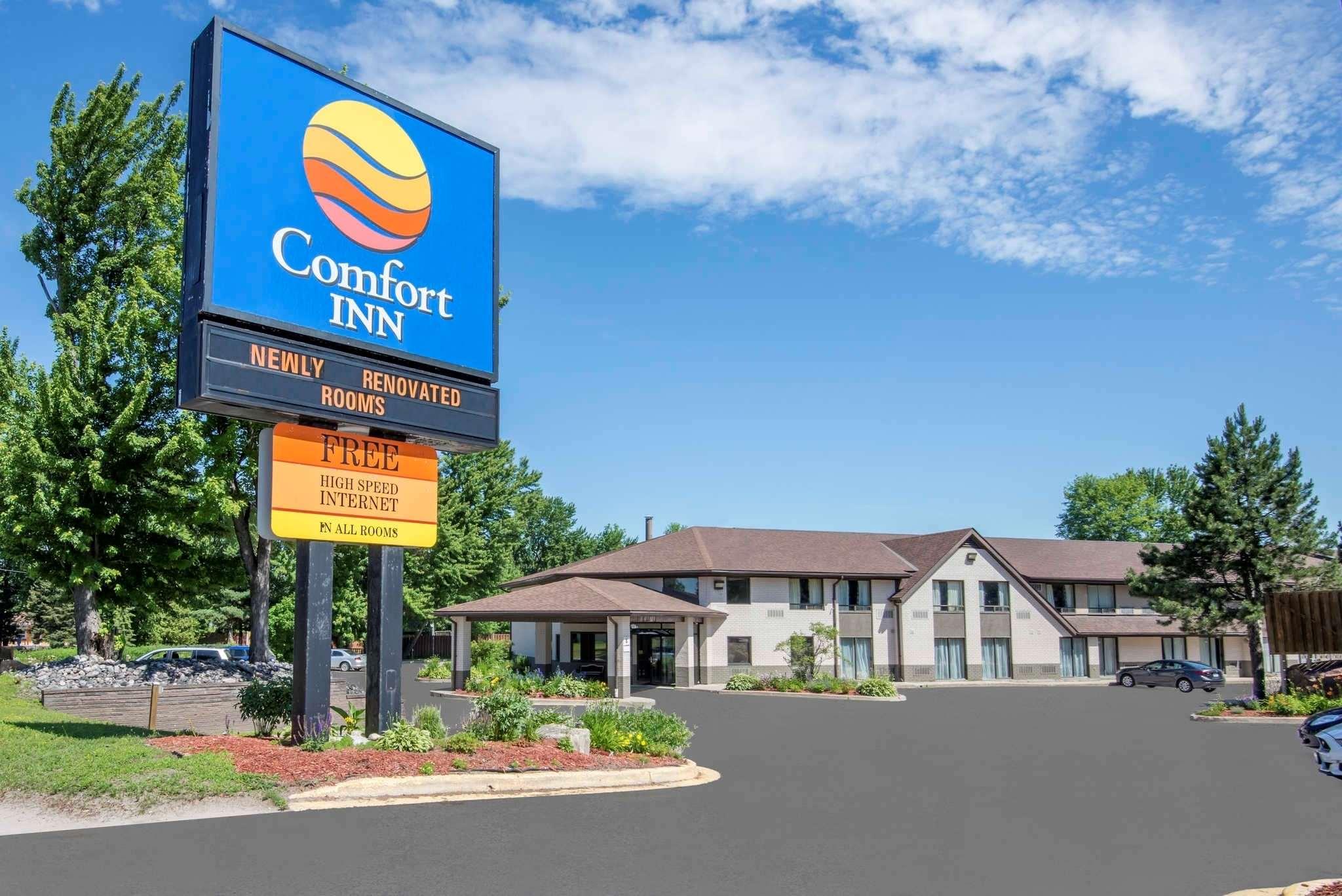Comfort Inn in North Bay: Hotel exterior