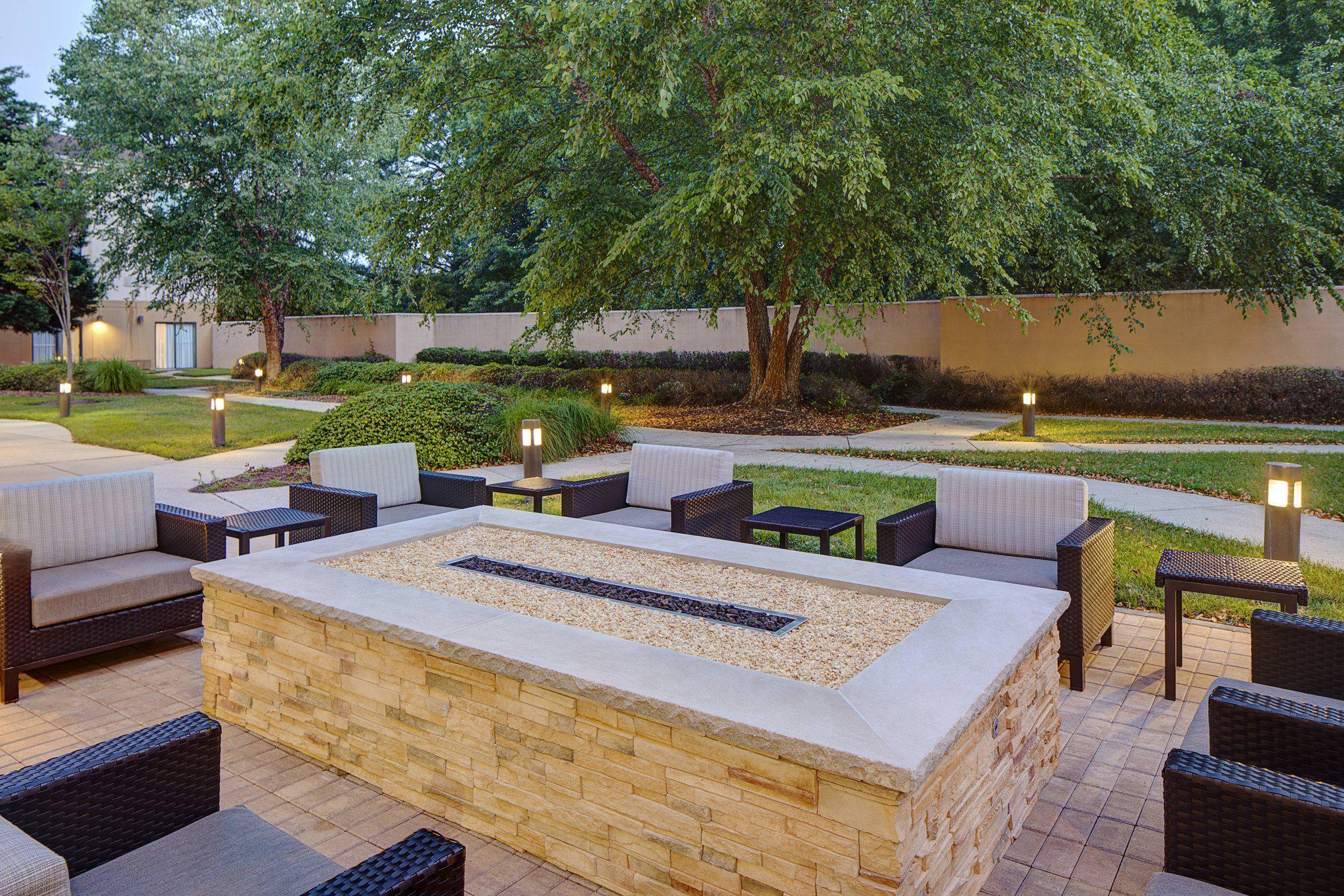 Courtyard by Marriott Richmond Airport