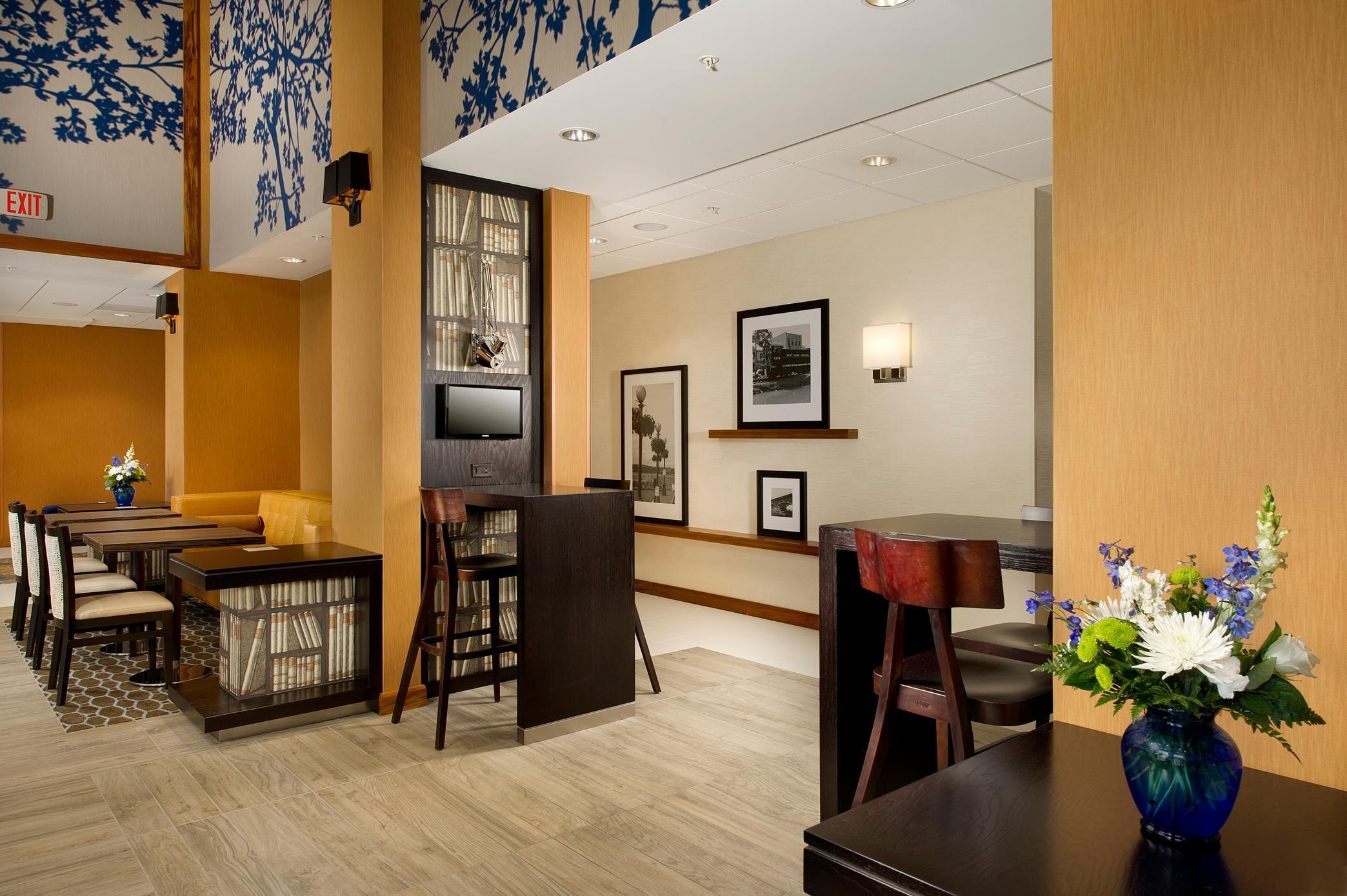 Hampton Inn Amp Suites Washington Dc North Gaithersburg
