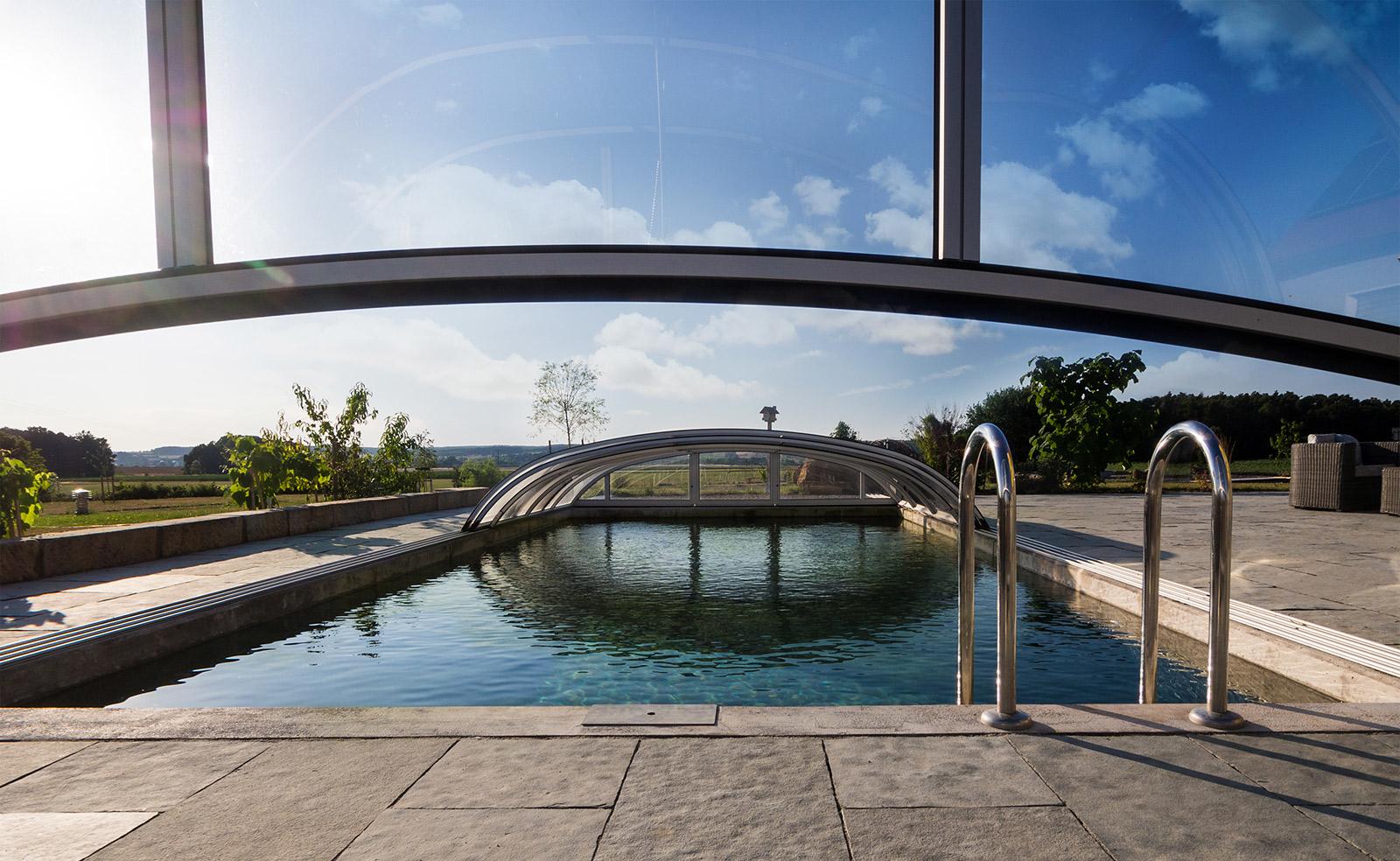 Starke gmbh schwimmbad sauna wellness saunen for Schwimmbad herzogenaurach