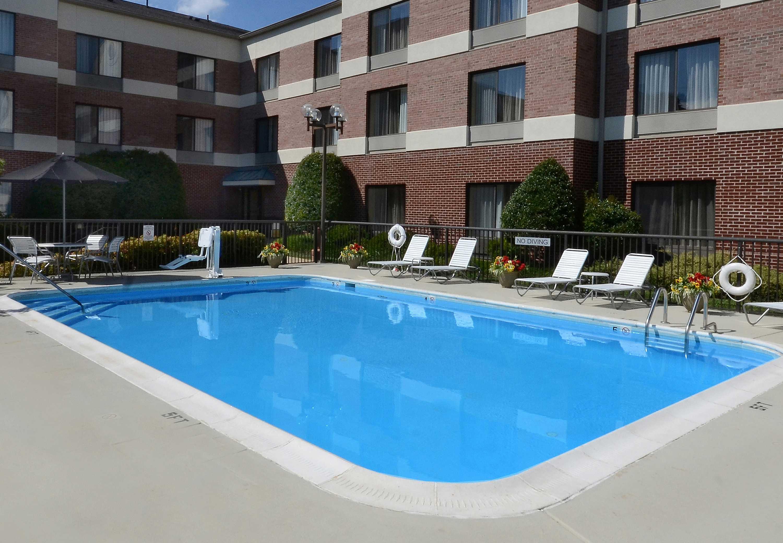 Fairfield Inn Amp Suites By Marriott Charlottesville North