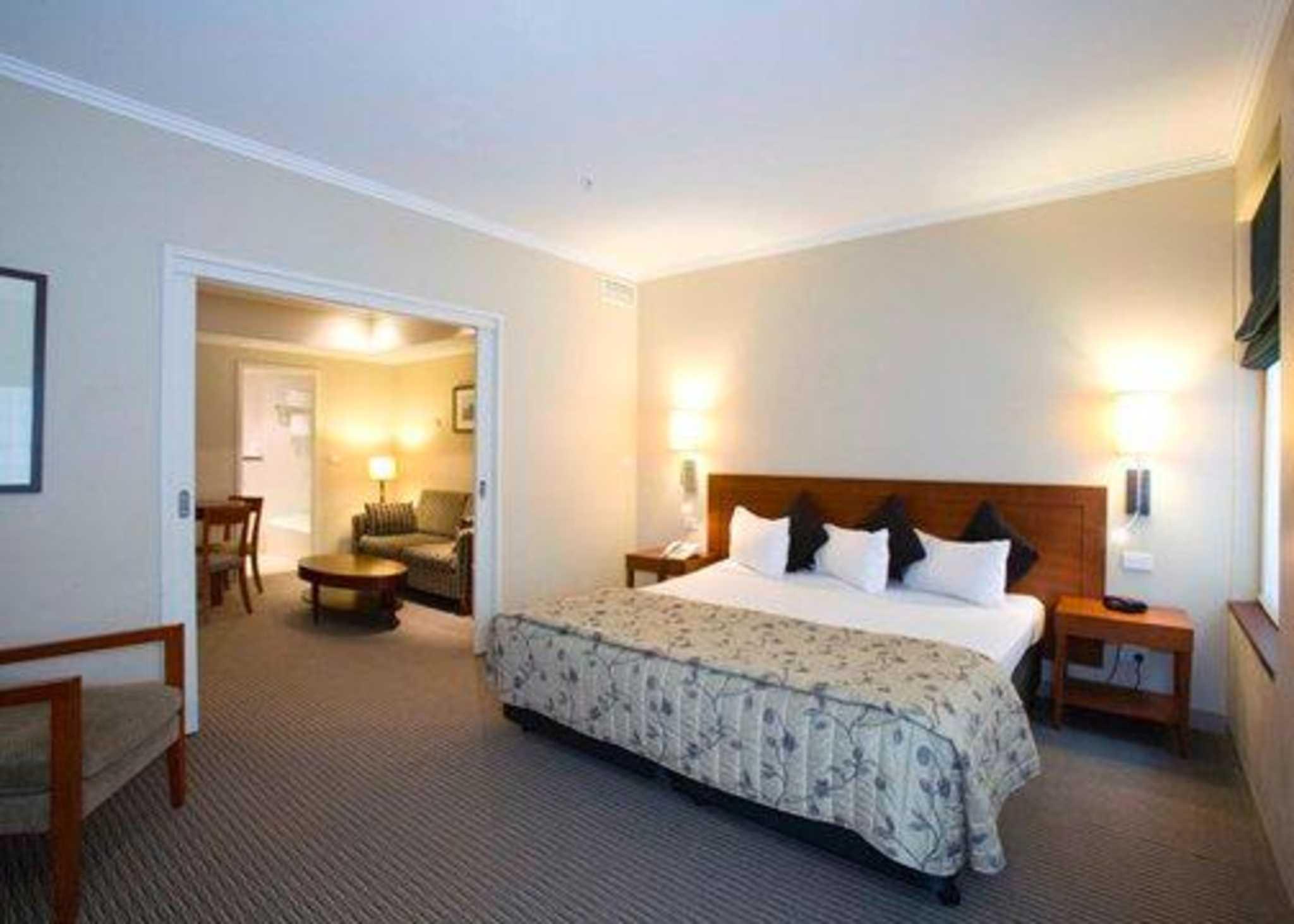 Quality Hotel Batman's Hill on Collins Melbourne (03) 9614 6344