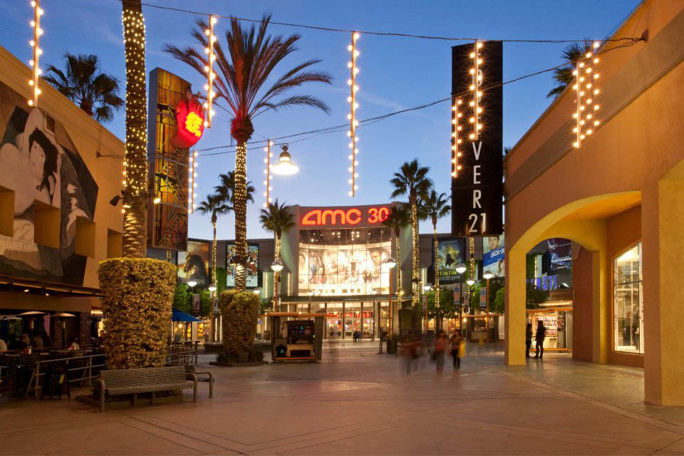 Bloomingdale's, The Outlet Store is now open at The Outlets at Orange - the first Los Angeles-area location for this iconic brand. FIND OUT MORE. GIFTCARD GIVING HAS ITS PERKS. December 3–30 Buy at least $75 worth of Aéropostale Gift Cards.