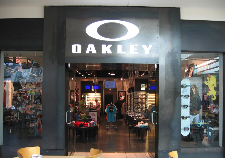 oakley store miami florida fl. Black Bedroom Furniture Sets. Home Design Ideas