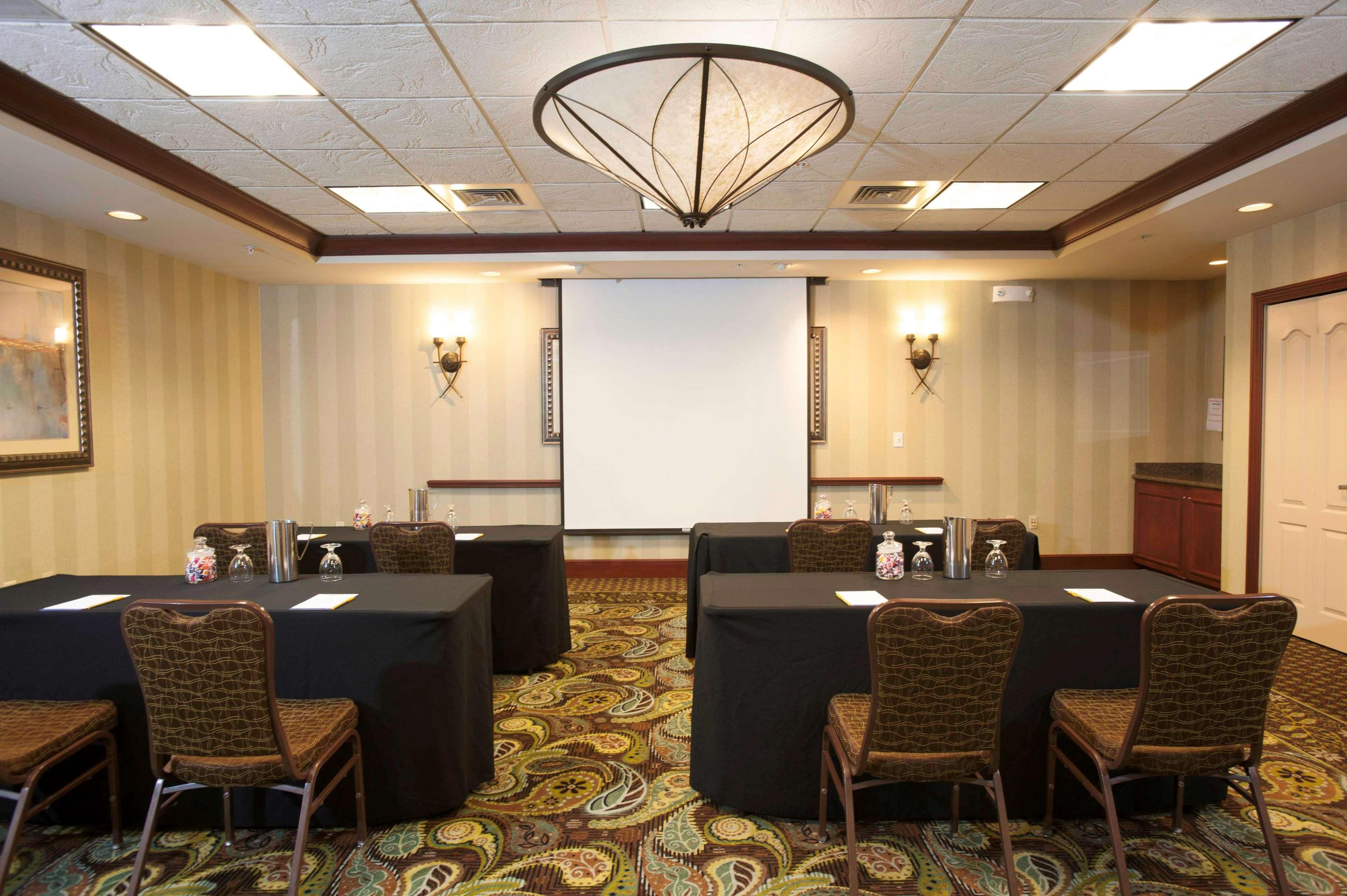 Hilton Garden Inn Evansville Evansville Indiana In
