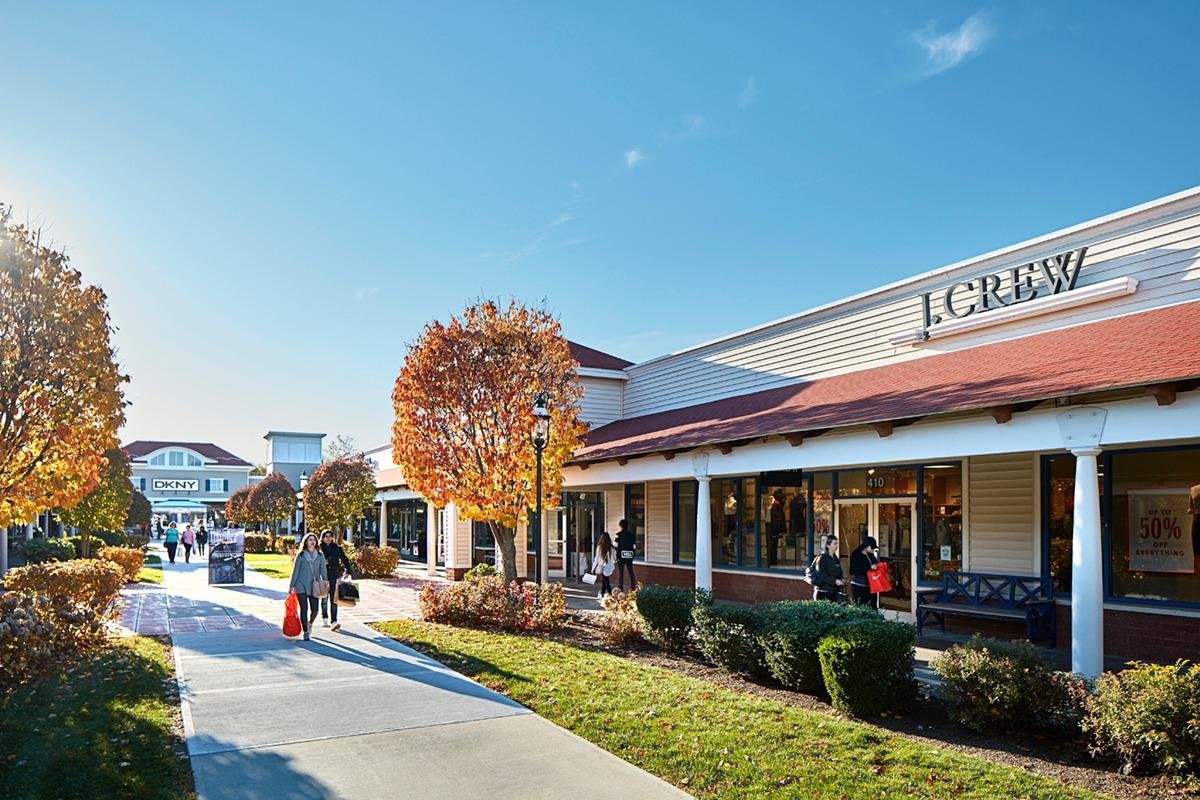 wrentham village premium outlets wrentham massachusetts
