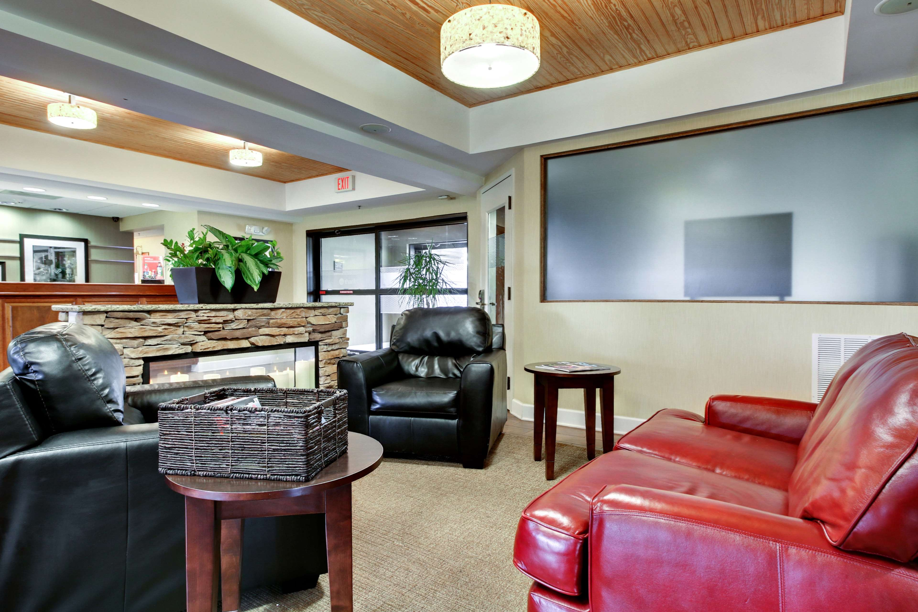 hampton inn southport coupons near me in southport 8coupons. Black Bedroom Furniture Sets. Home Design Ideas
