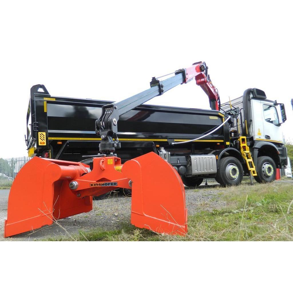 Muctruk Grabs, Aggs & Bags