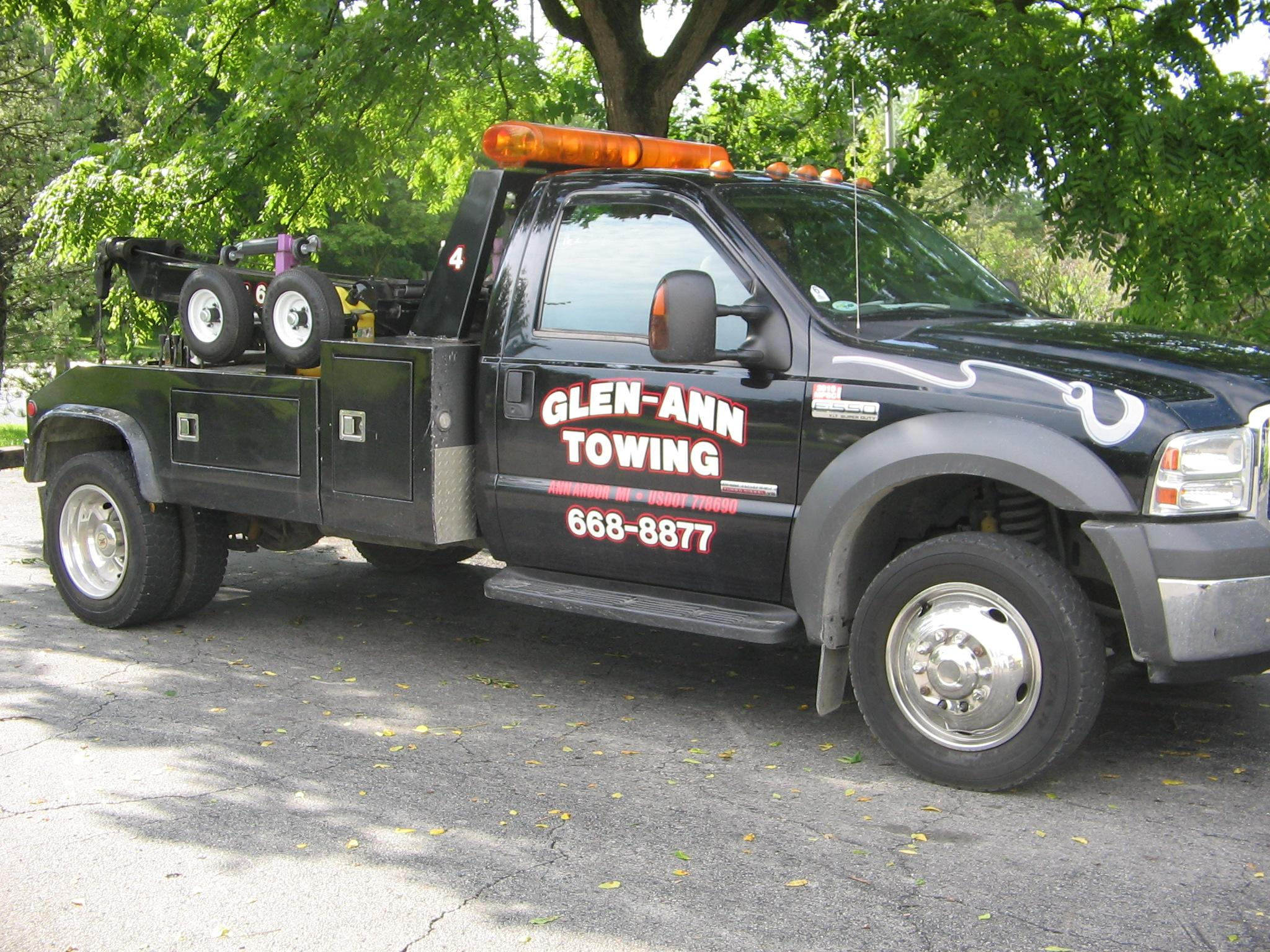 Wall Street Towing - ad image