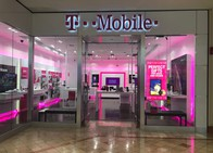 Exterior photo of T-Mobile Store at Woodbridge Mall, Woodbridge, NJ