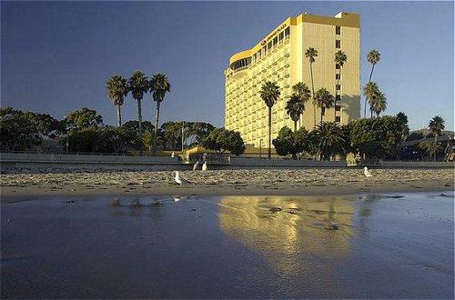 Crowne Plaza Ventura Beach - Ventura, CA -