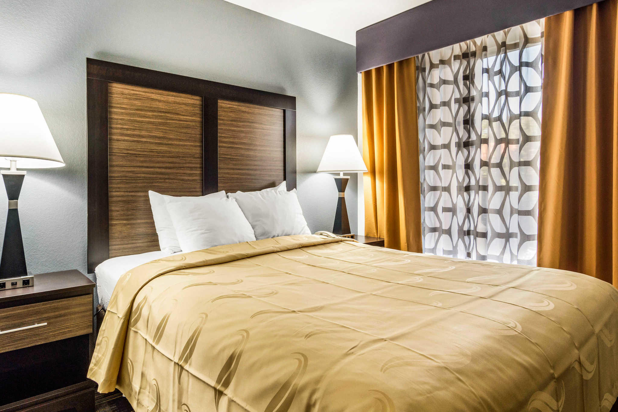 Book the Quality Inn Marietta - Located in the heart of Marietta, this hotel is 1 mi ( km) from Atlanta United Training Center and within 3 mi (5 km) of Life University and Wellstar Windy Hill Hospital/5().