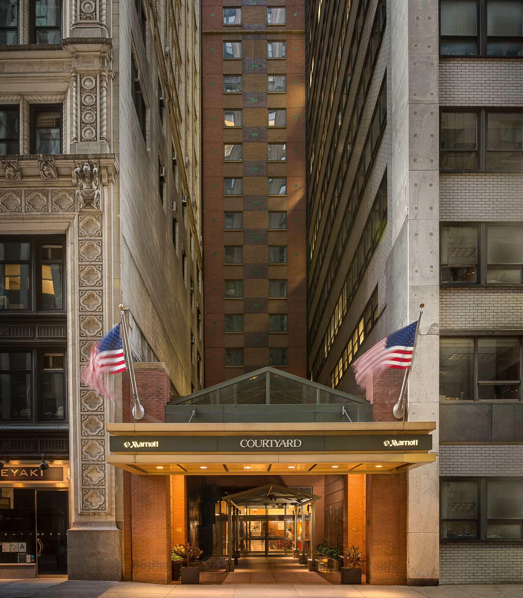 Courtyard By Marriott New York Manhattan Times Square