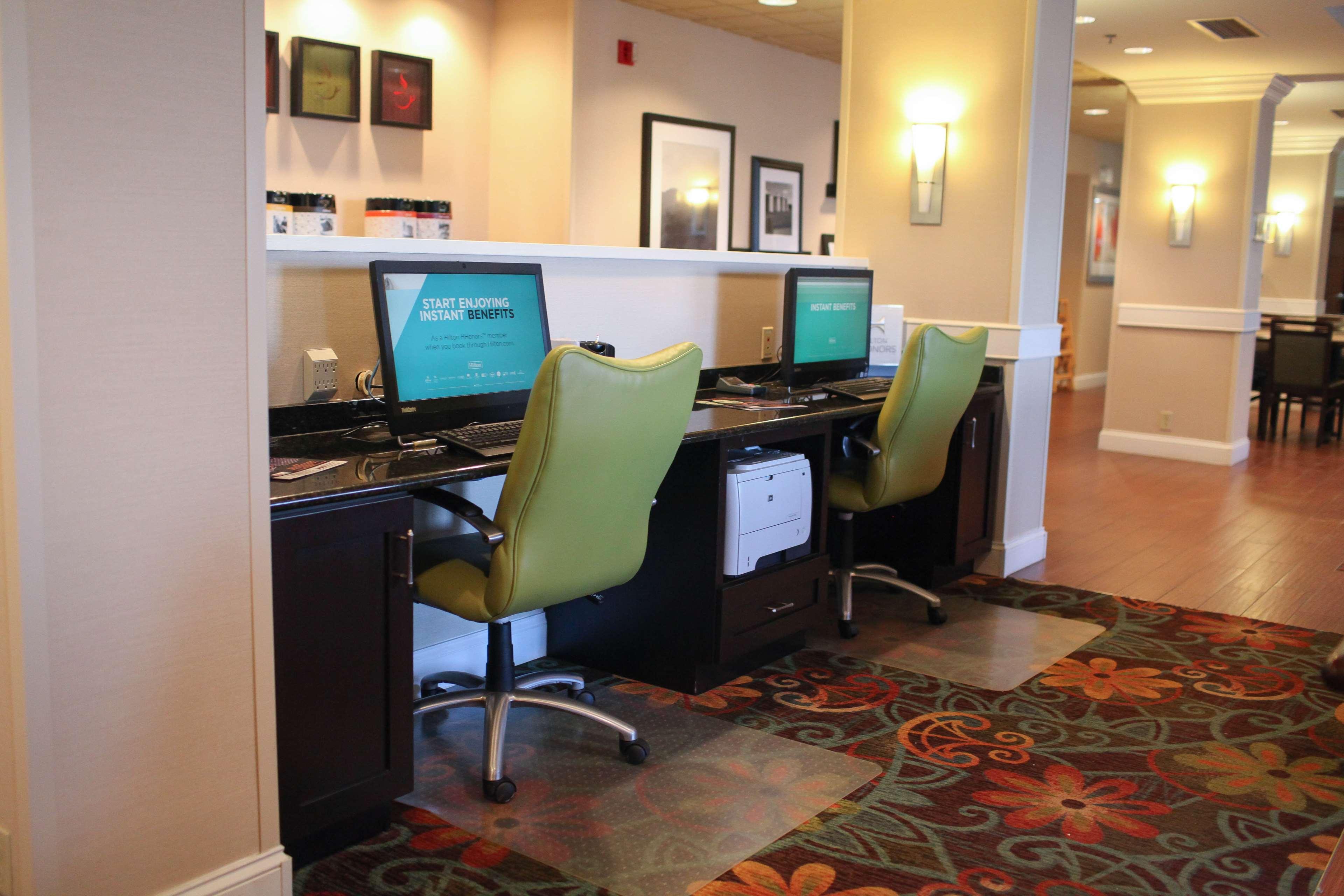 Hotel in IN Princeton 47670 Hampton Inn Princeton 107 S Richland Creek Drive  (812)385-2400