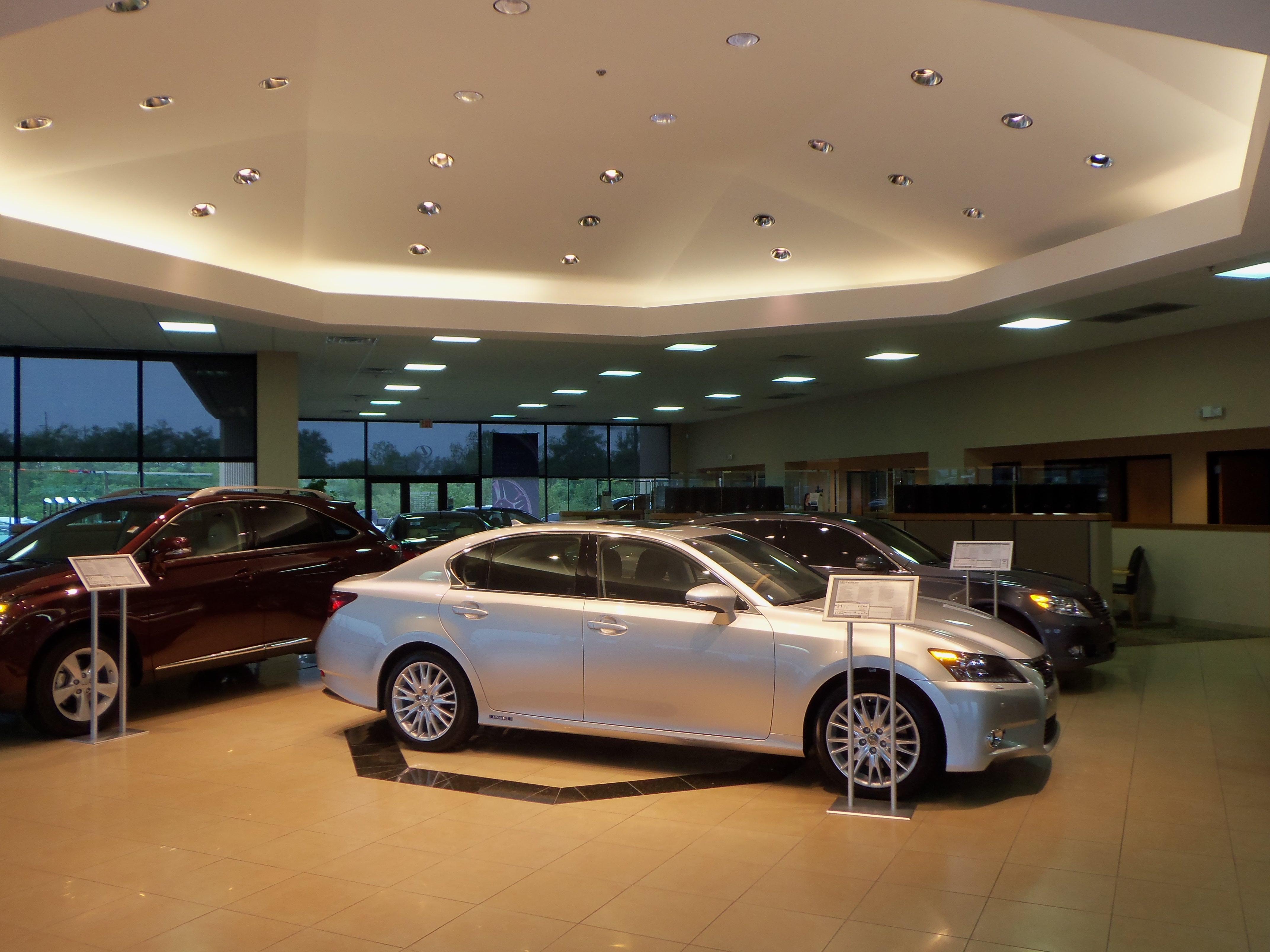 Tom Wood Lexus - ad image
