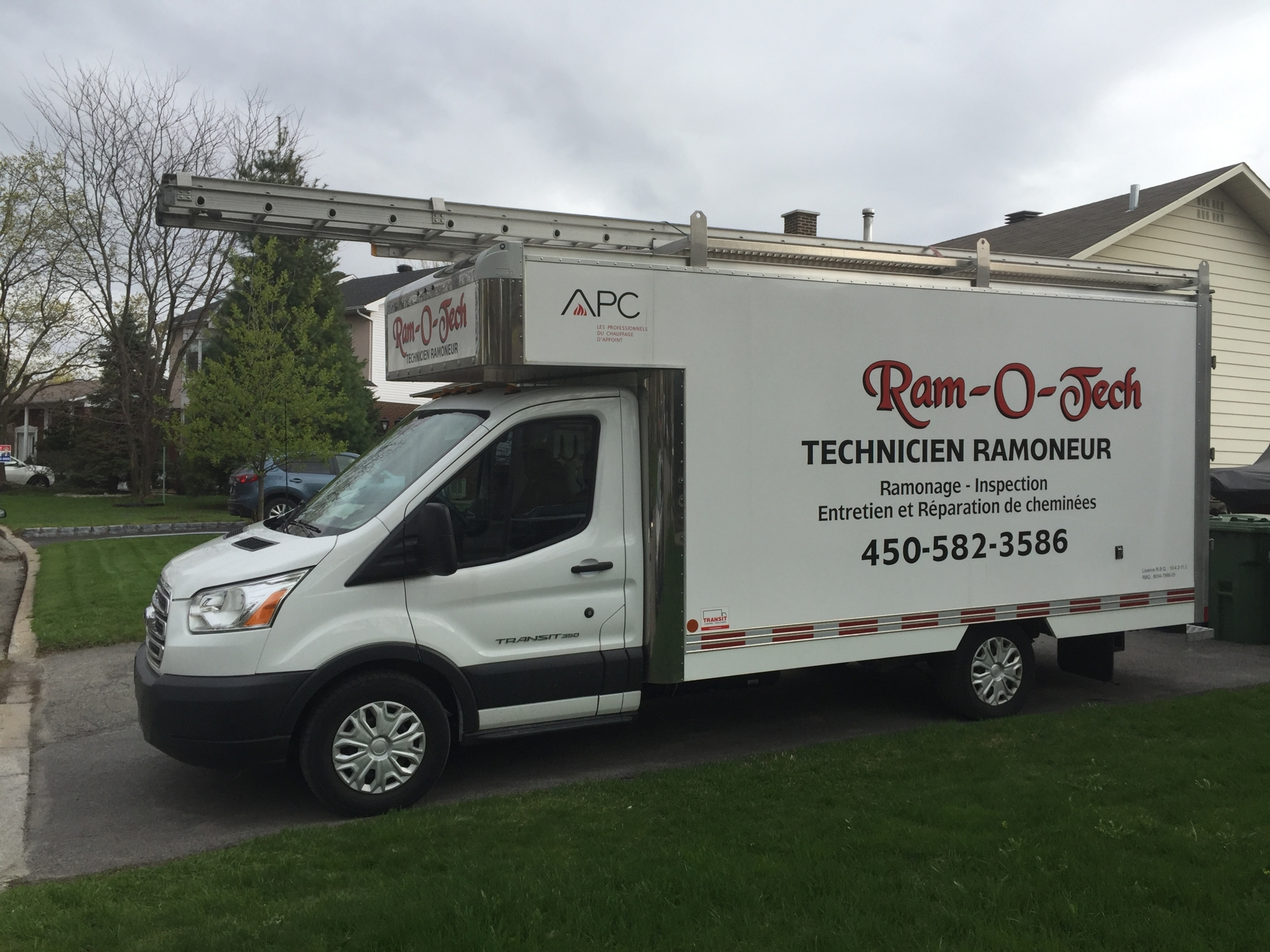 Ram-O-Tech Ramoneur à L'Assomption: Ram-O-Tech Chimney Sweeper