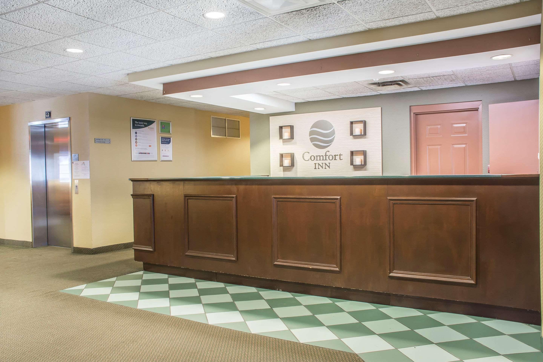 Hotel lobby Comfort Inn Sarnia (519)383-6767