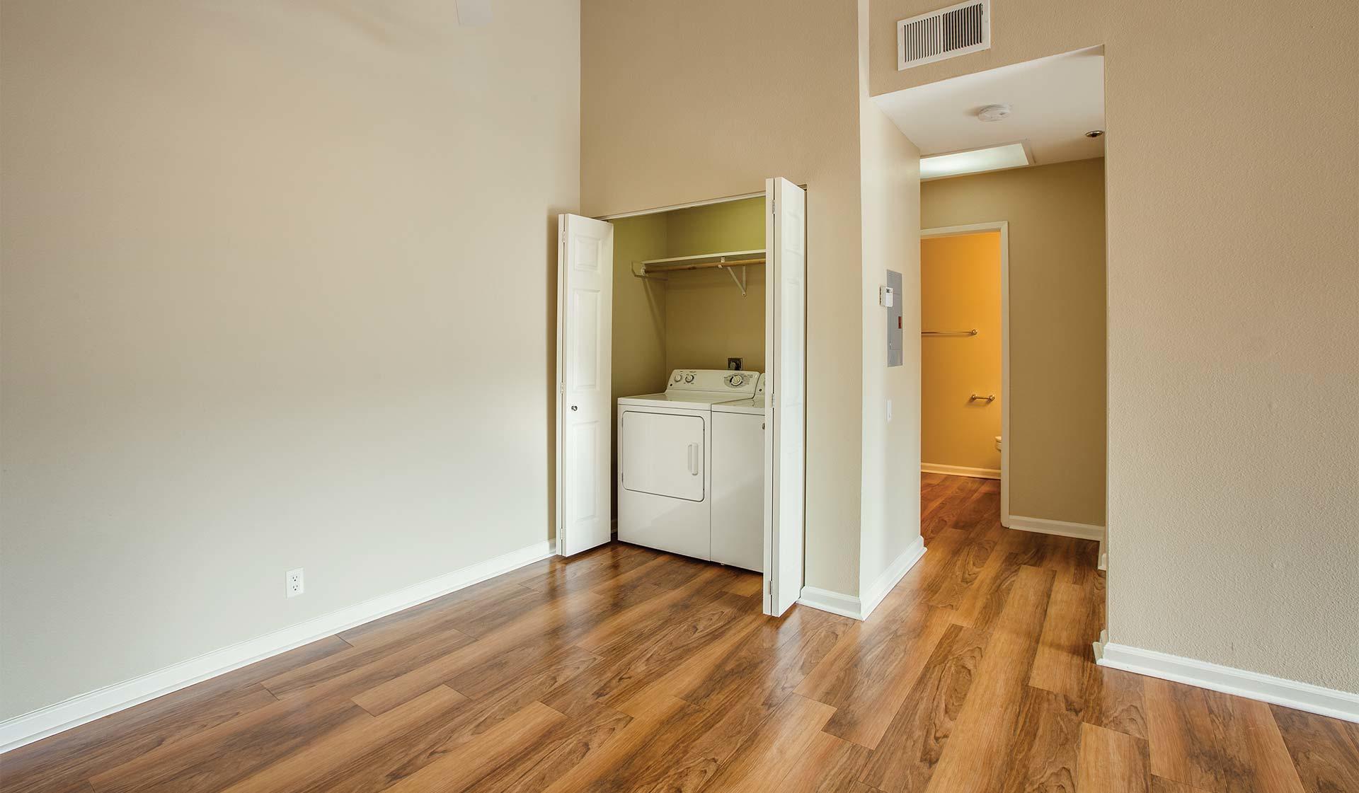 windrift apartments oceanside california ca. Black Bedroom Furniture Sets. Home Design Ideas