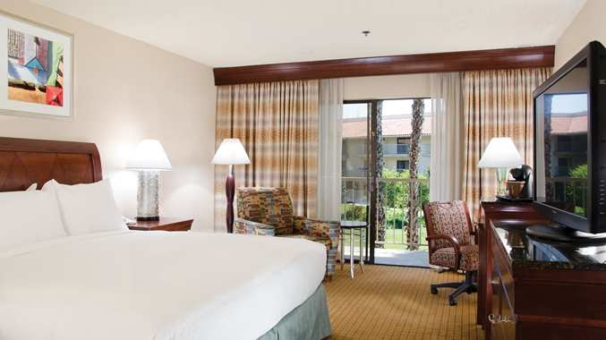 Doubletree By Hilton Hotel Bakersfield Bakersfield California Ca