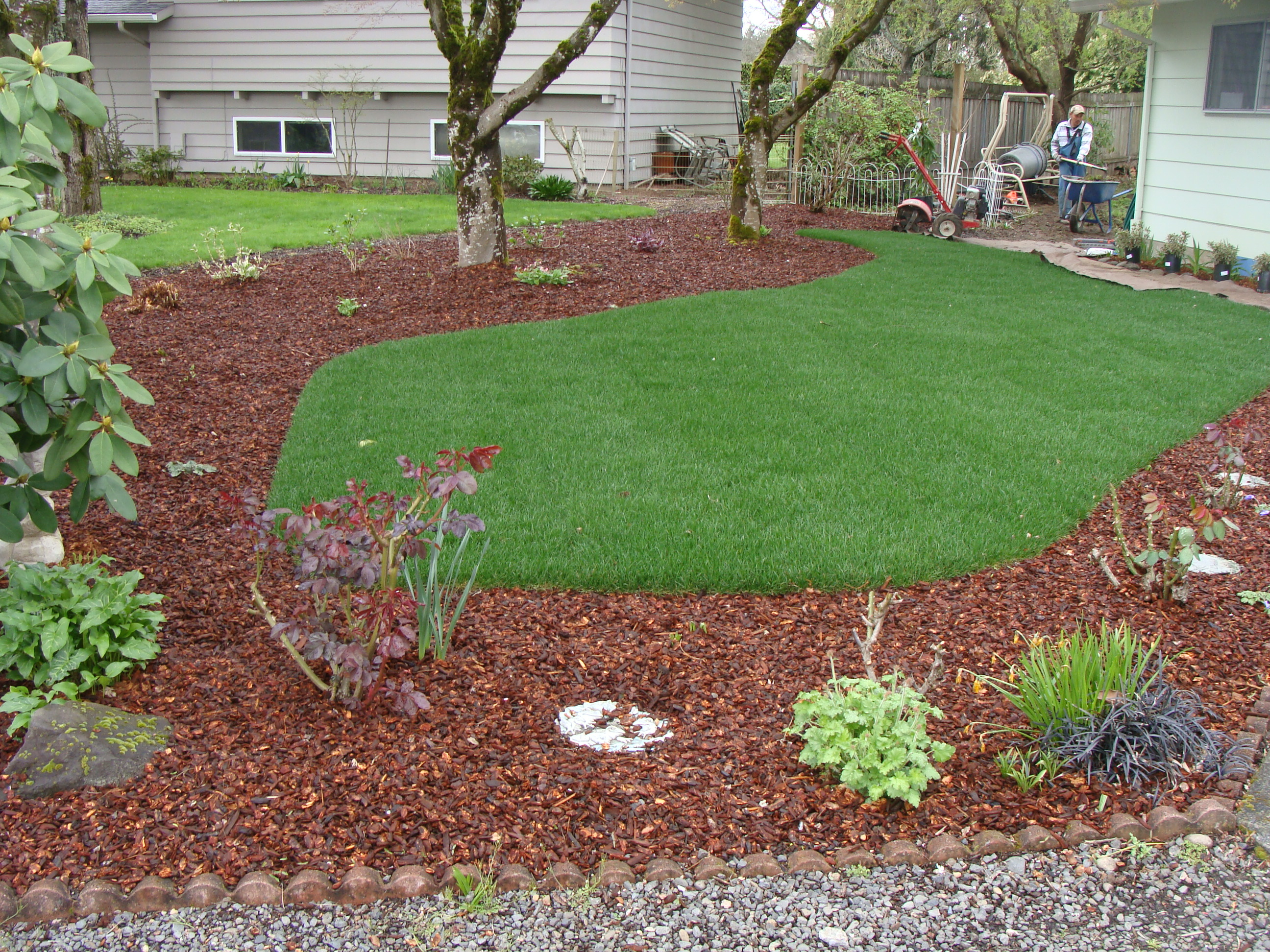 Quality tree service landscape maintenance llc oregon for Tree and garden services