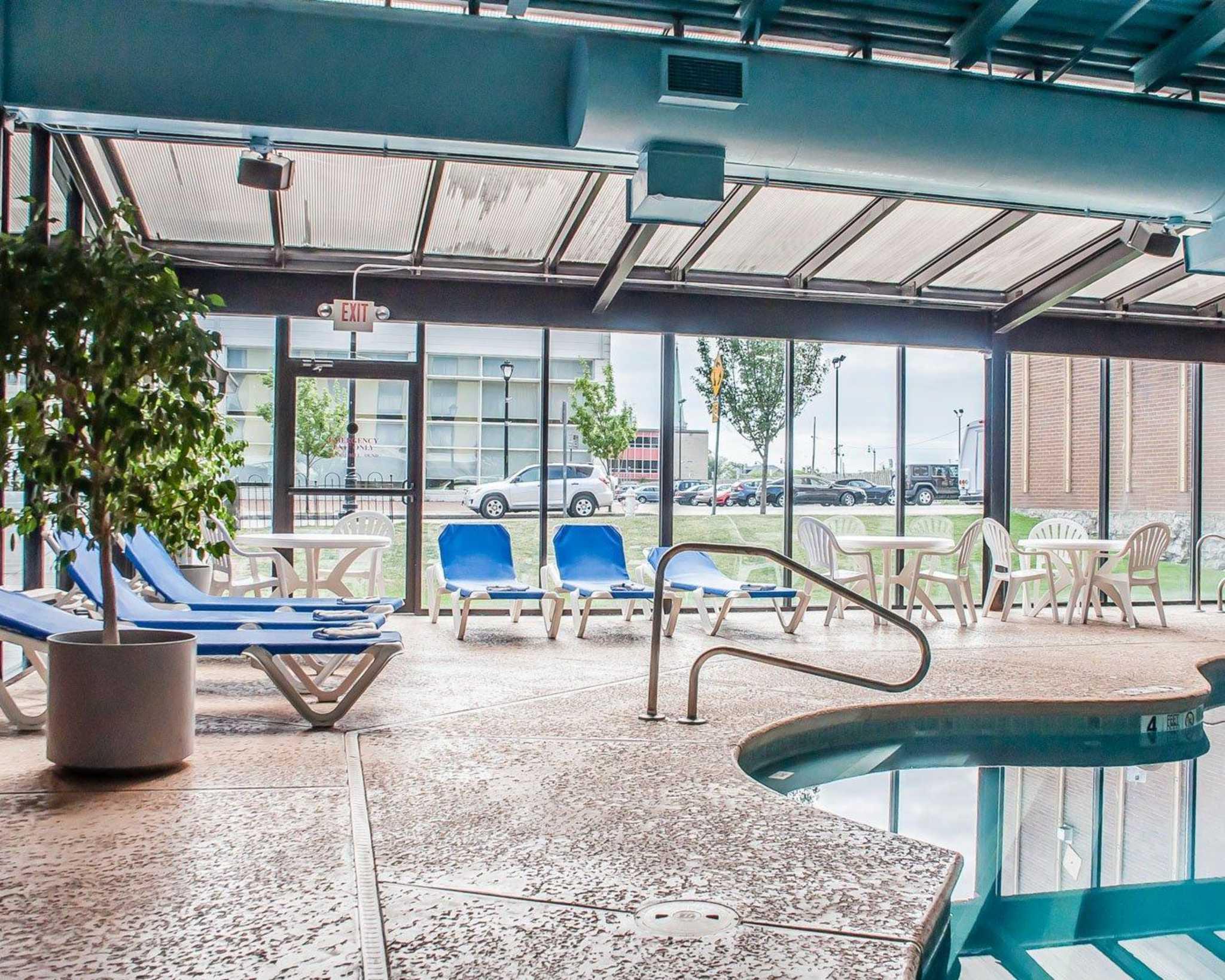Niagara Falls Ny Hotels With Hot Tub In Room
