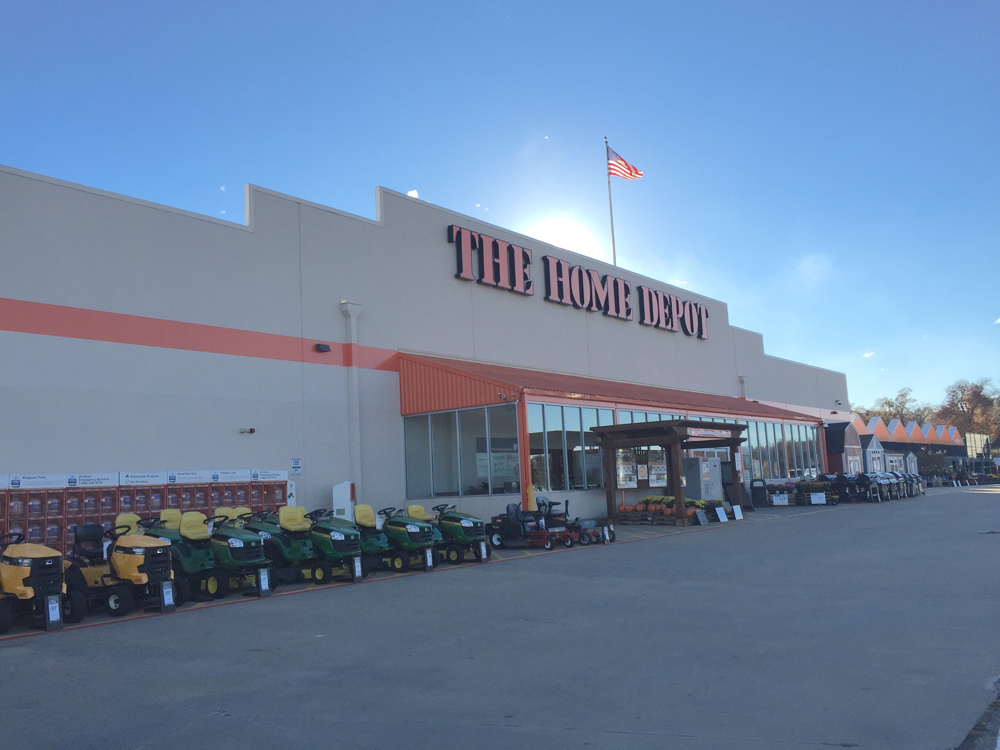 The home depot in mountain home ar 72653 for Furniture depot mountain home arkansas