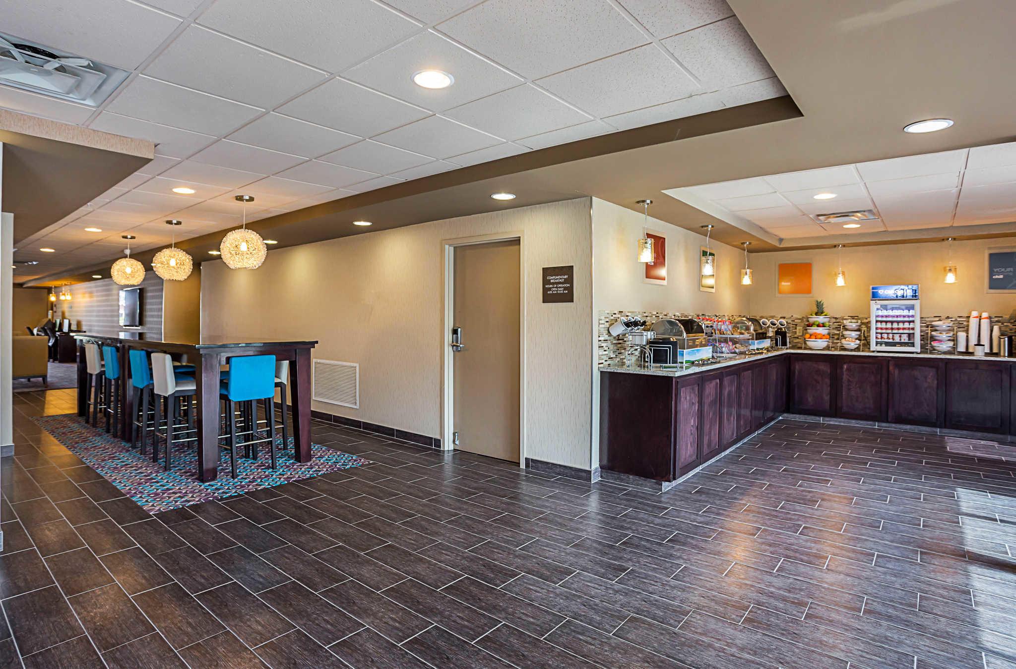 Restaurants Near Embassy Suites Baton Rouge