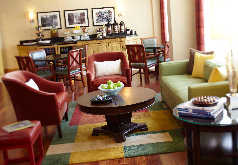 renaissance columbus downtown hotel in columbus oh 43215. Black Bedroom Furniture Sets. Home Design Ideas