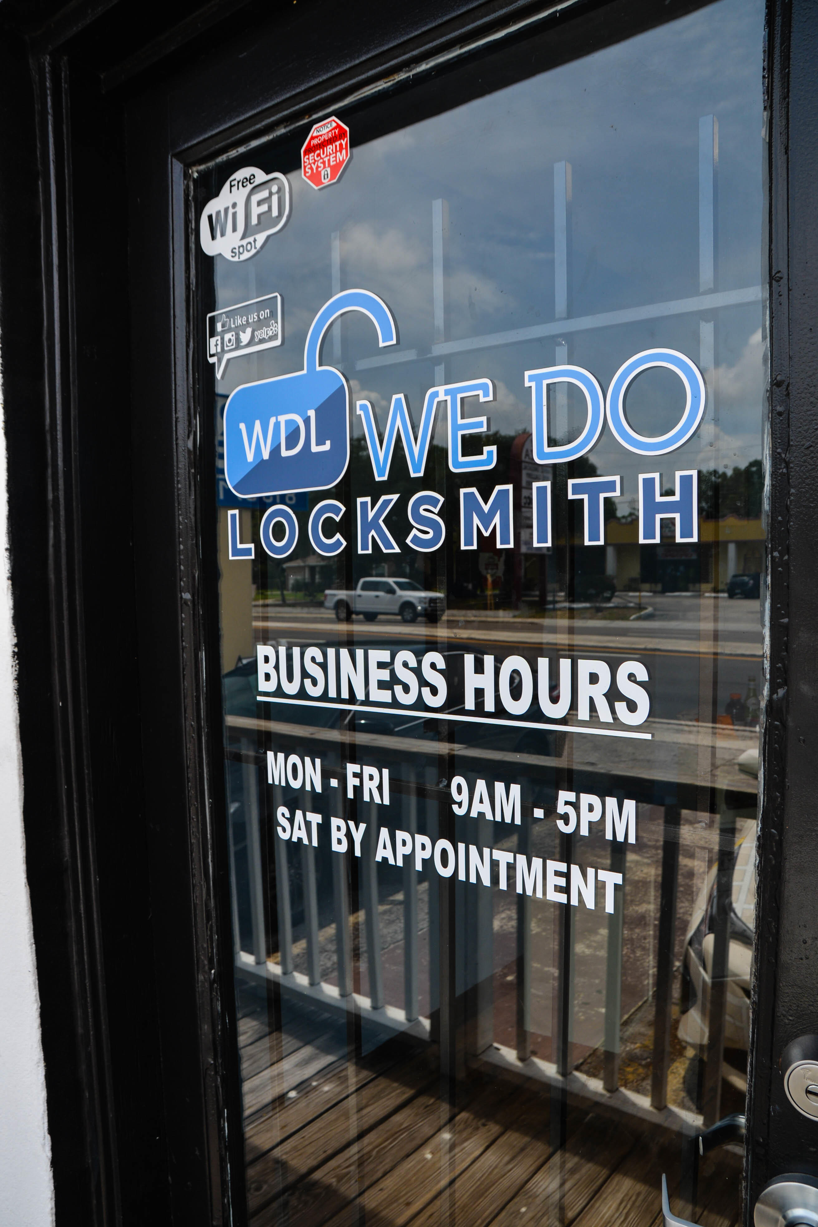 Car Locksmith Near me Tampa We do locksmith 813-760-1060 https://wedo-locksmith.com/