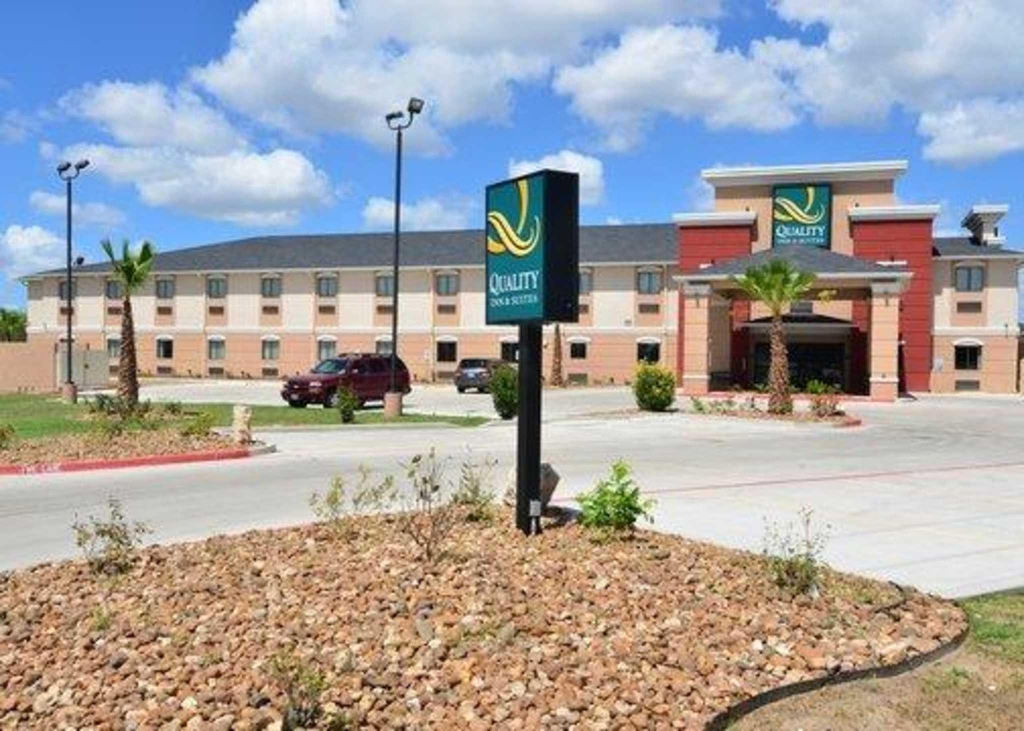 Quality Inn Amp Suites Kenedy Karnes City Kenedy Texas