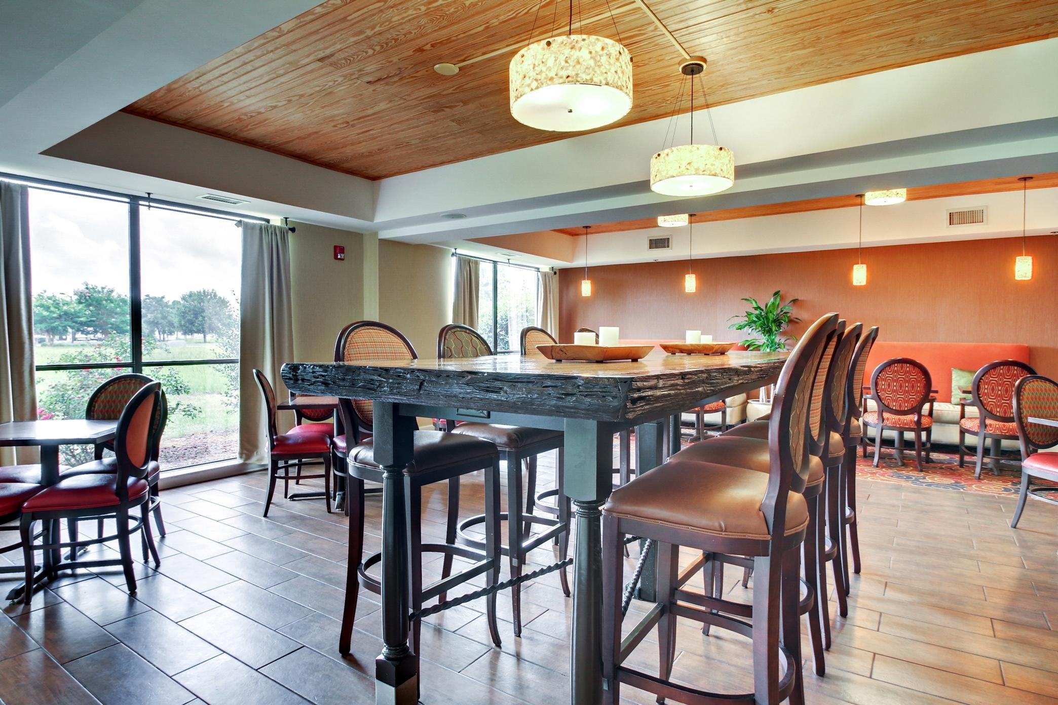 hampton inn southport in southport nc 28461. Black Bedroom Furniture Sets. Home Design Ideas