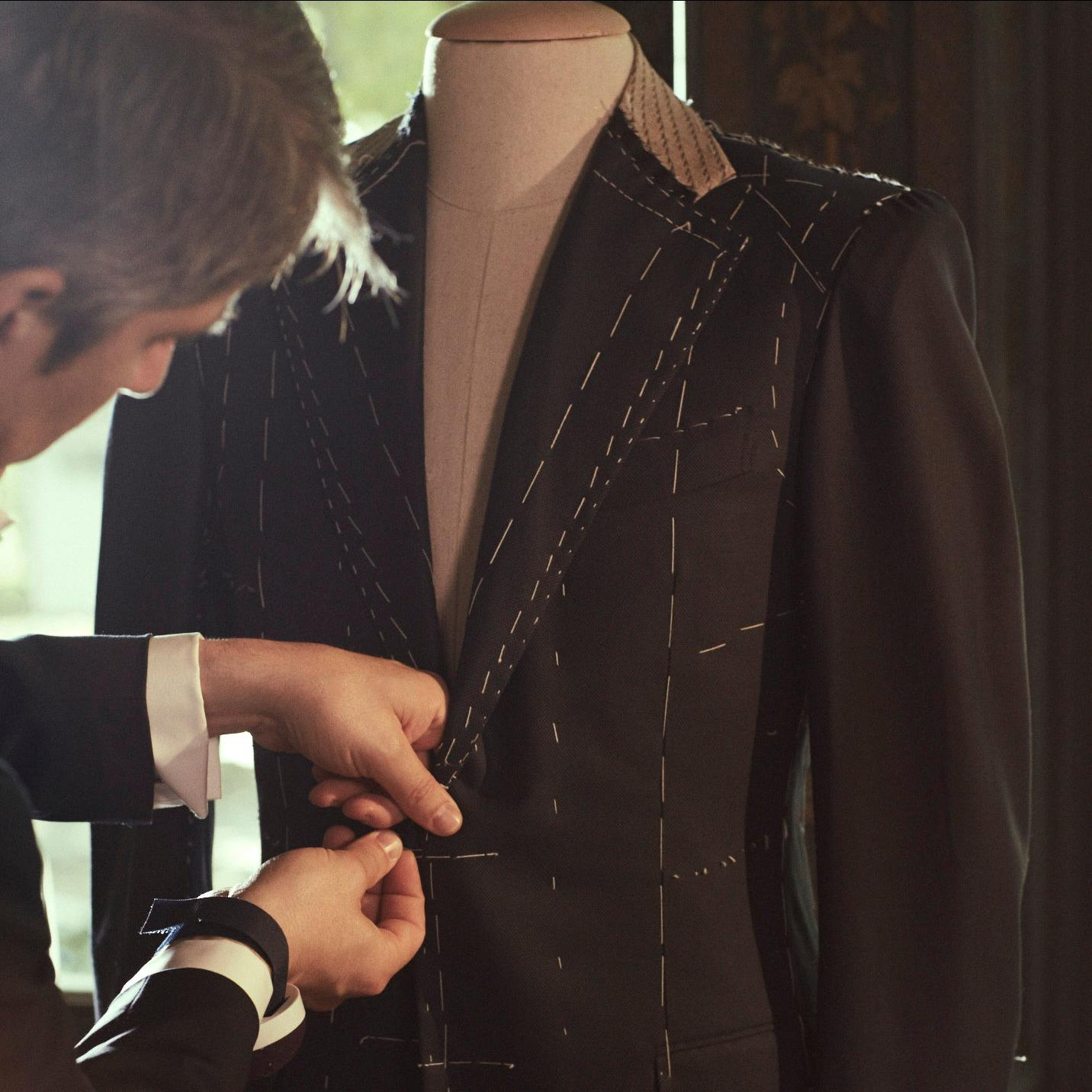 Get your tuxedo rental today from Men's Wearhouse. Browse online or in-store from our collection of men's tuxedos and formalwear for weddings, proms & more.
