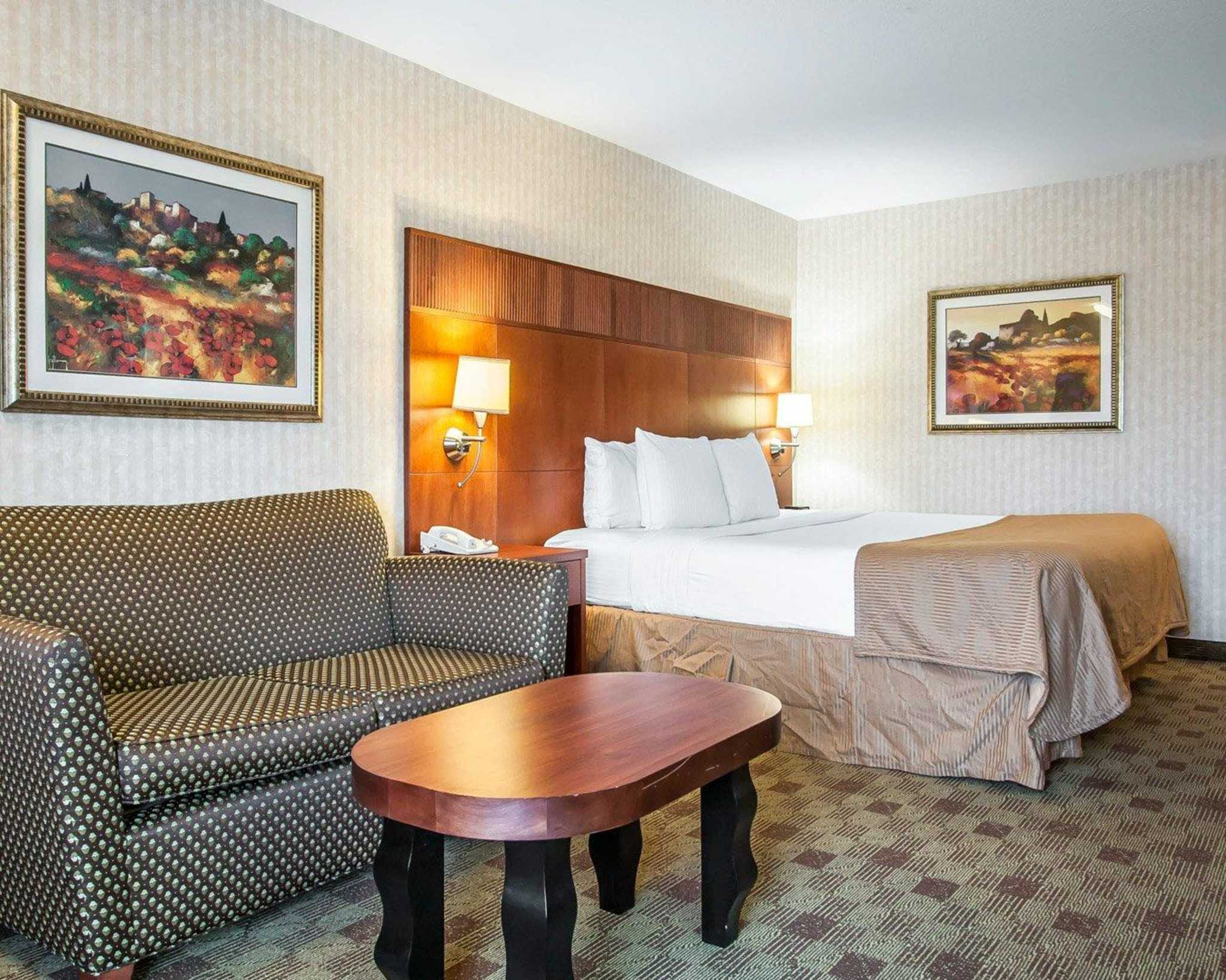Clarion Hotel In Portland Airport