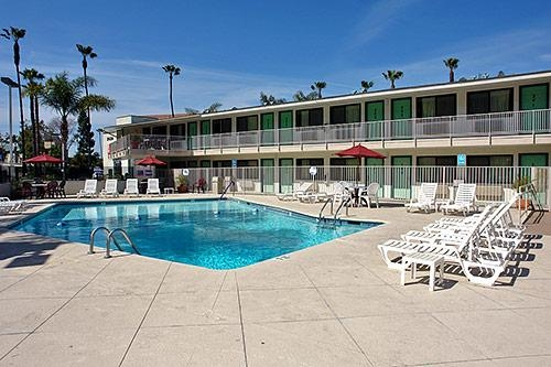 Motel 6 San Diego Hotel Circle - Mission Valley image 0