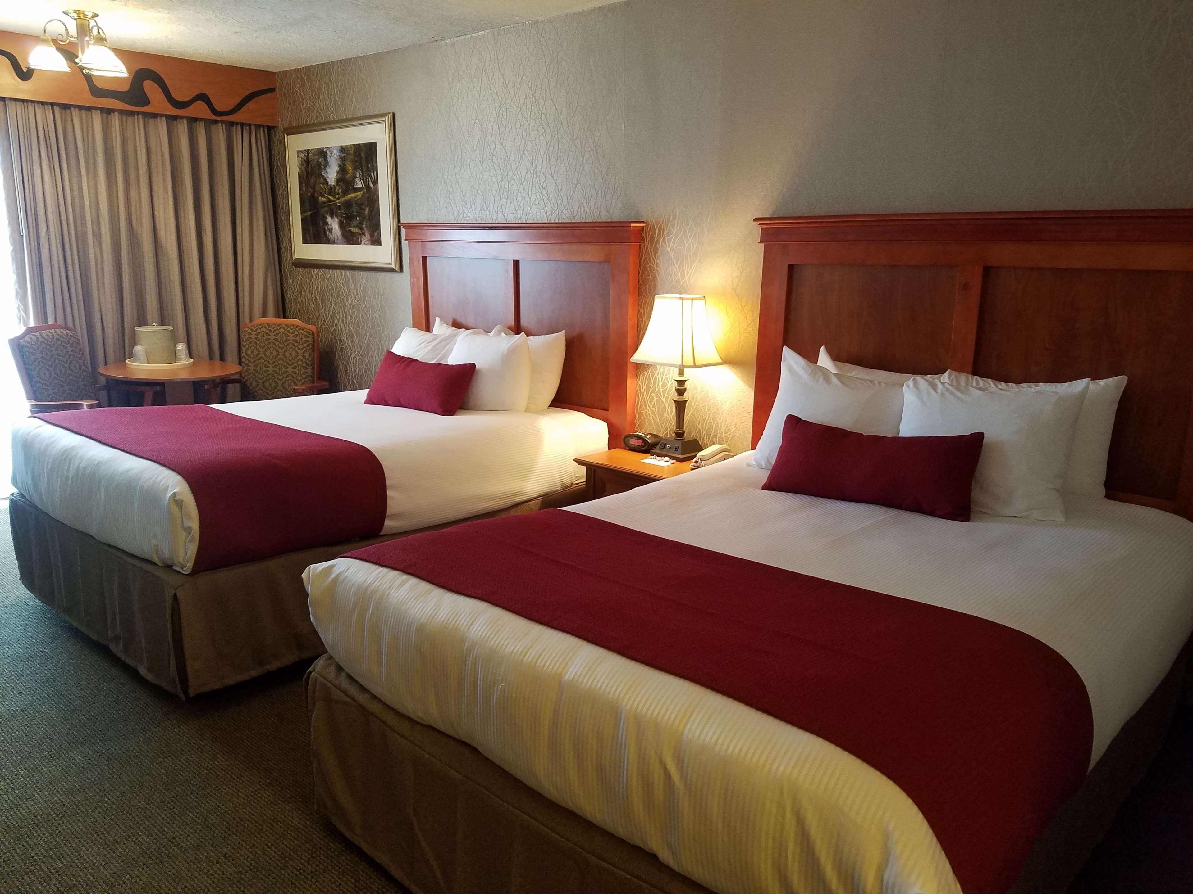 Best Western Plus Rivershore Hotel Portland Oregon
