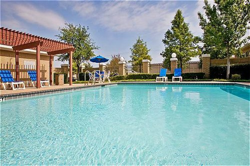 Holiday Inn Express & Suites Dallas/Stemmons Fwy(I-35 E) - ad image