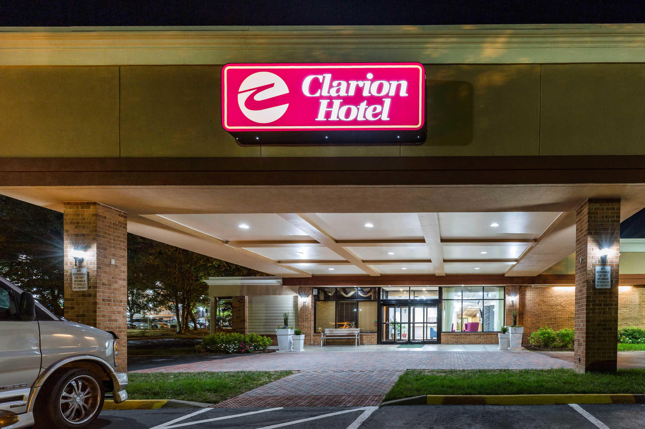 Clarion Hotel in Williamsburg, VA 23185 ... Williamsburg Virginia Chamber Of Commerce Photos