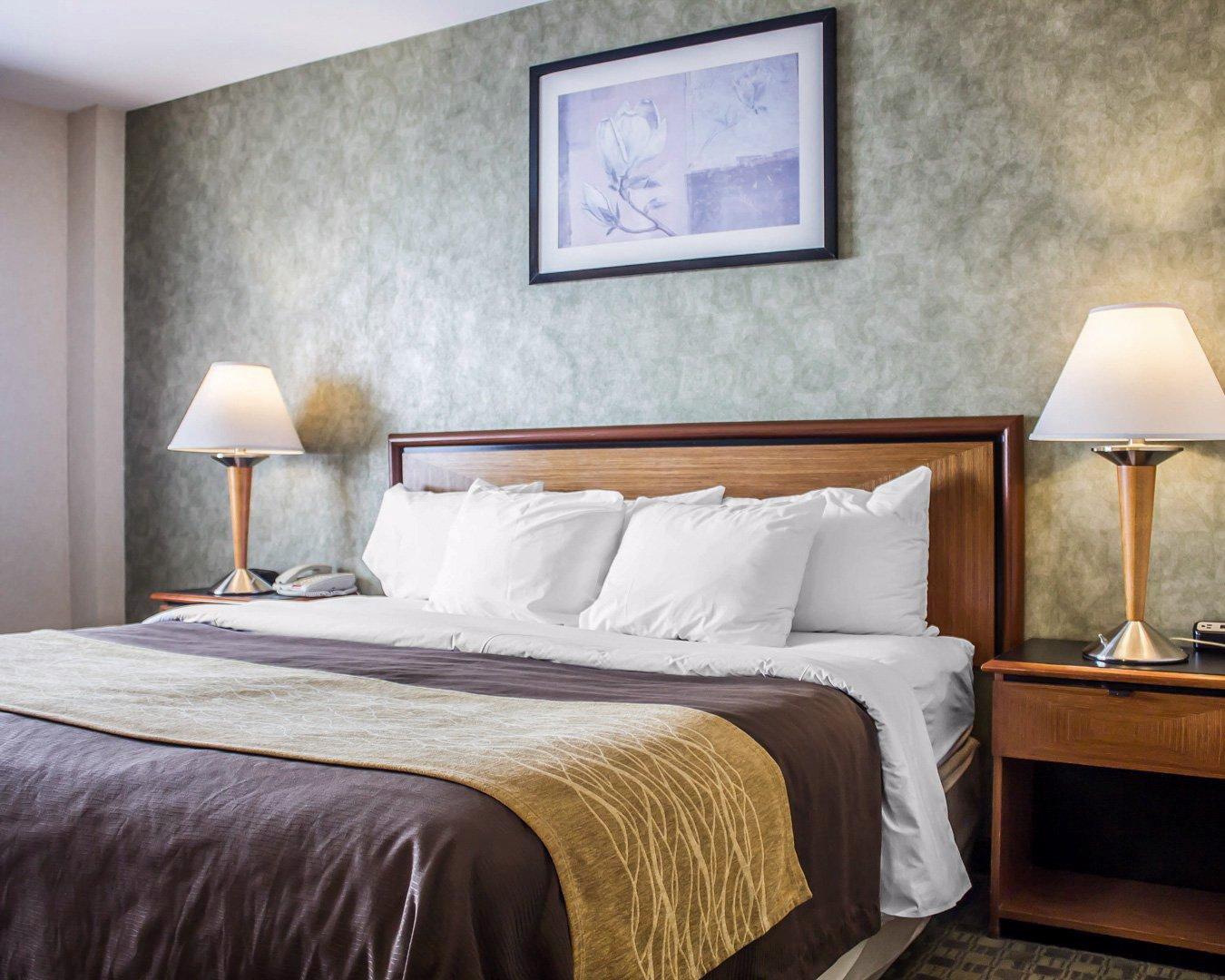 Comfort inn in brooklyn ny 11235 for Linden motor inn brooklyn