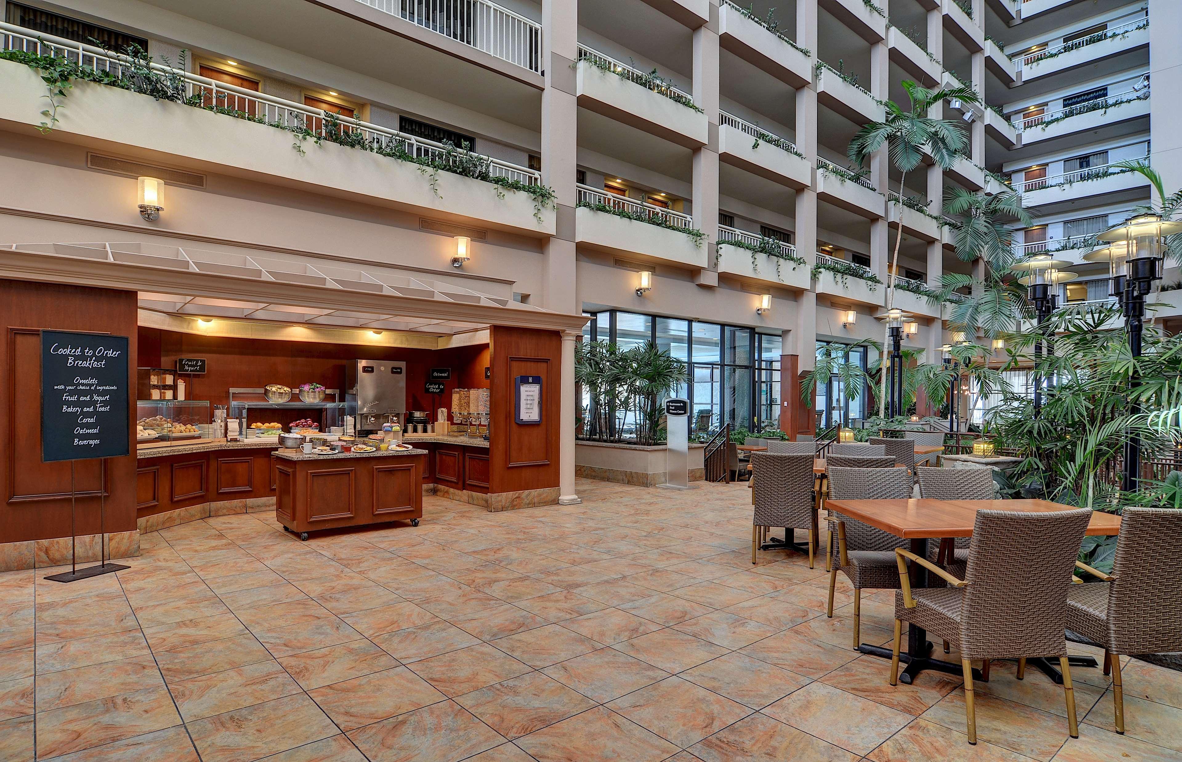 embassy suites by hilton atlanta buckhead in atlanta ga. Black Bedroom Furniture Sets. Home Design Ideas