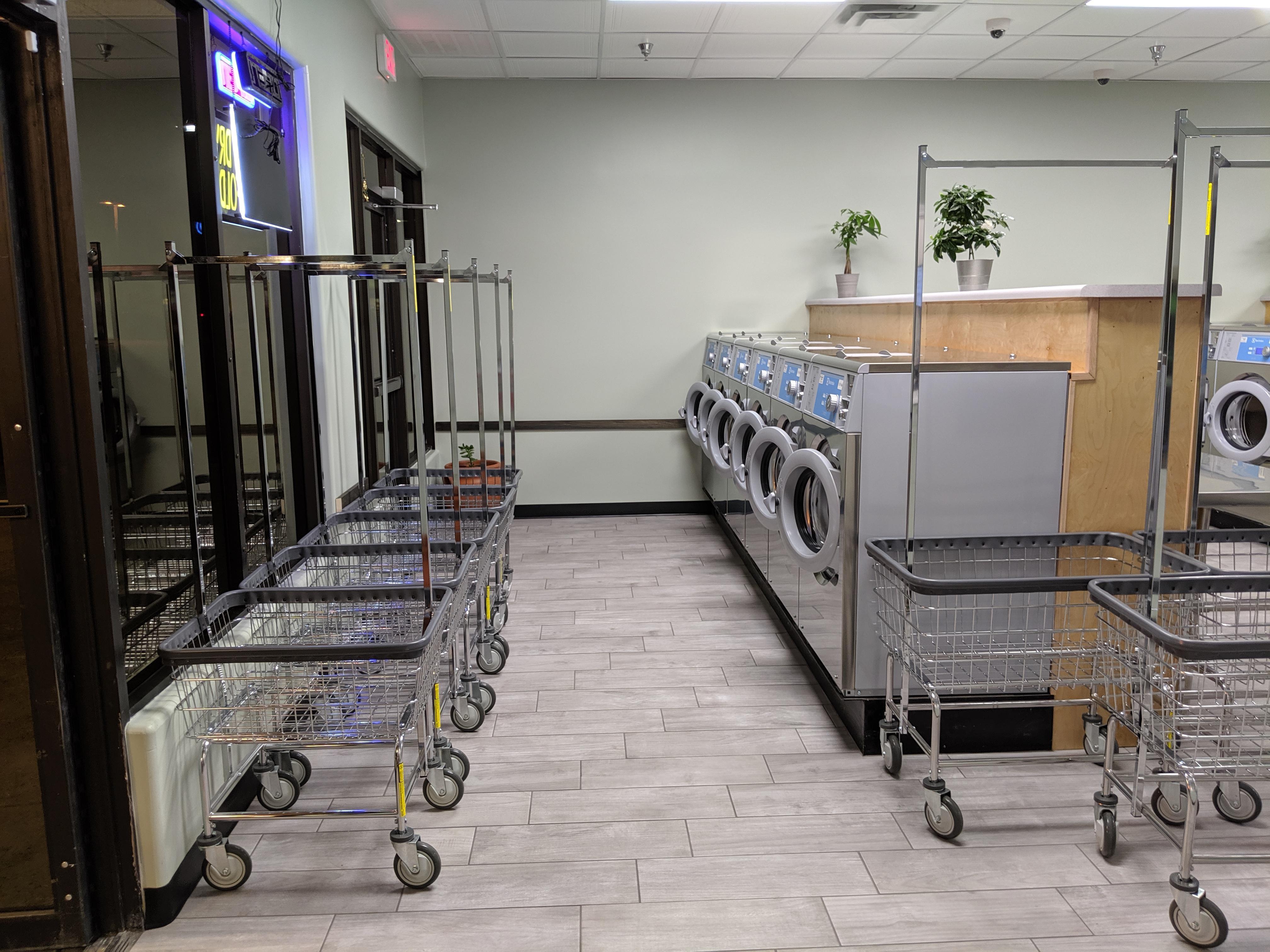 Wash & Dry Laundromat
