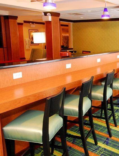 Fairfield Inn & Suites by Marriott White Marsh image 2