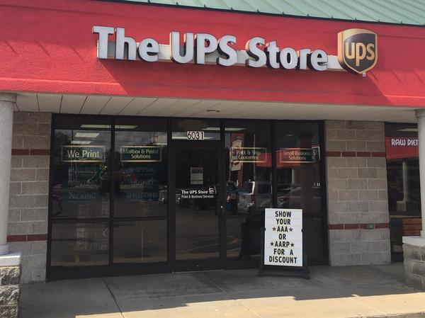 Facade of The UPS Store Webb City