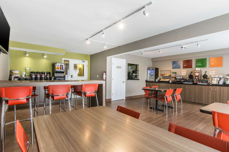 Comfort Inn Magnetic Hill in Moncton: Breakfast area