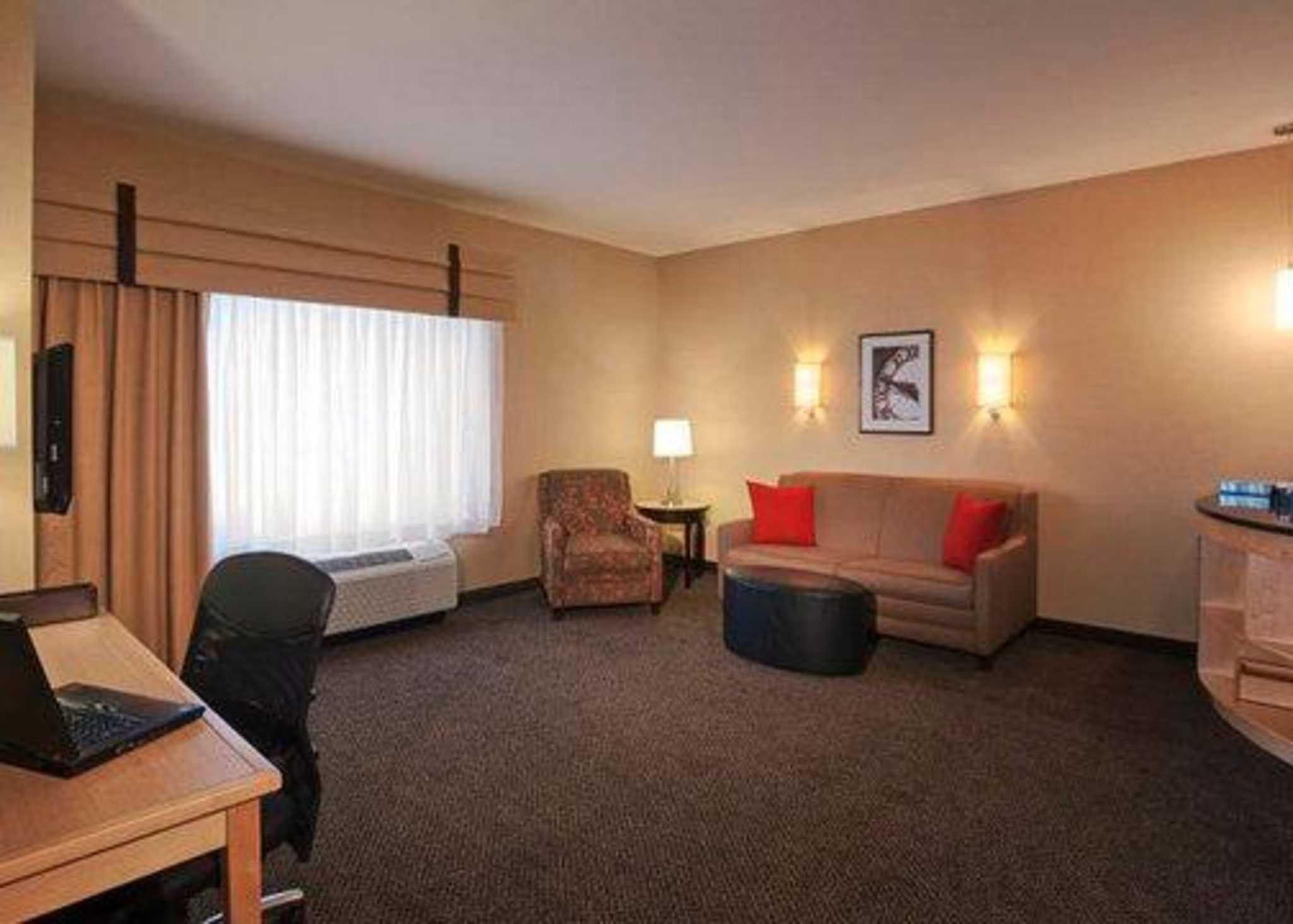 Cambria Hotel And Suites Columbus Polaris