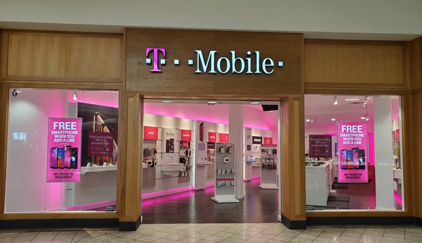 Exterior photo of T-Mobile Store at Oakwood Mall 3, Eau Claire, WI