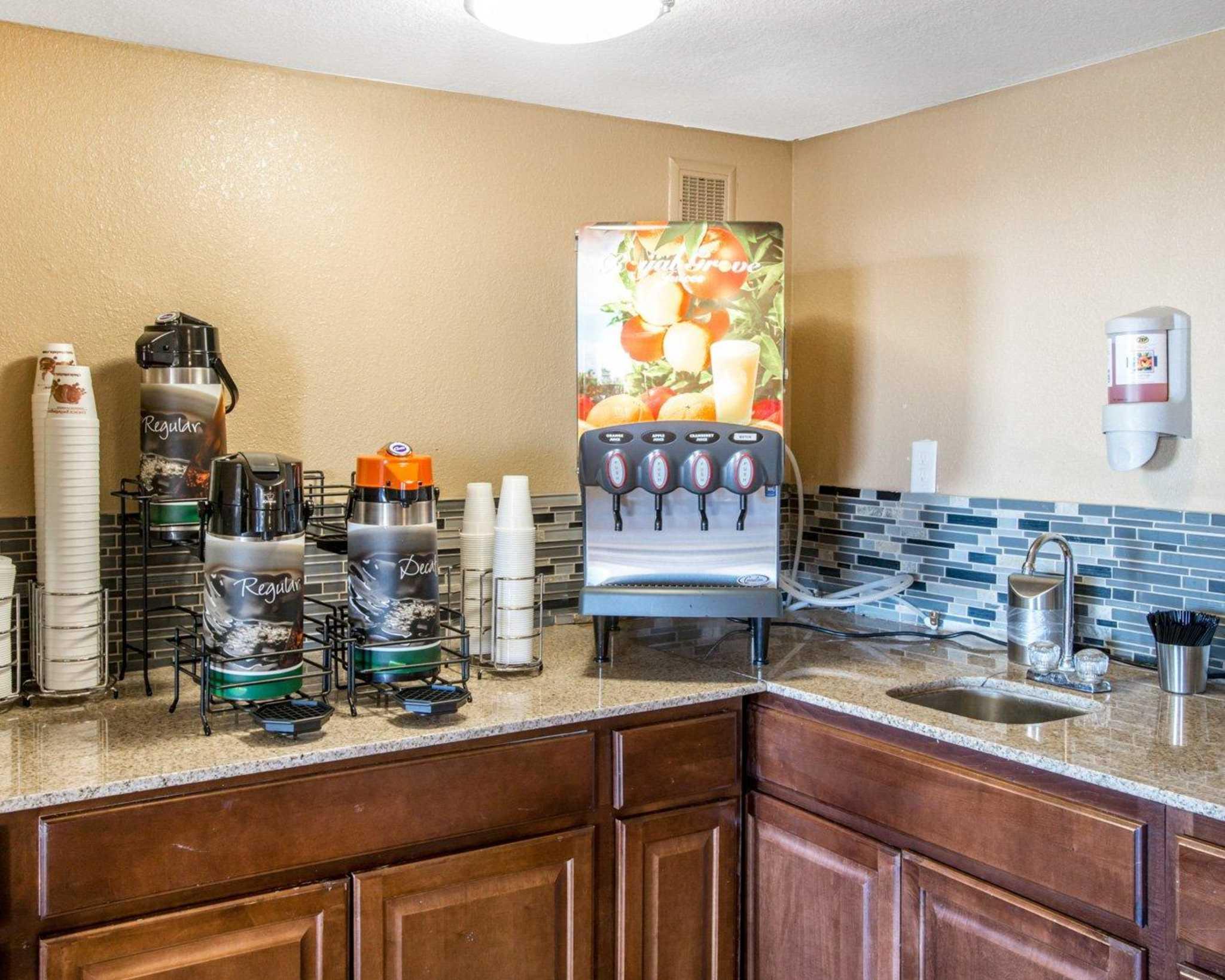 quality inn amp suites denver stapleton coupons denver co